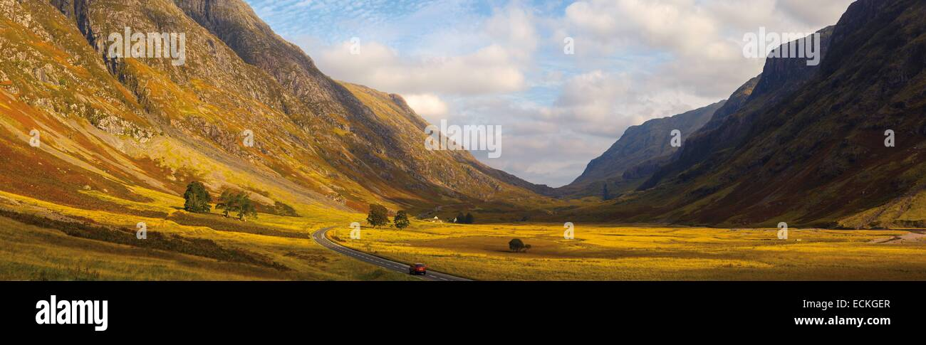 United Kingdom, Scotland, Glencoe, Glen Coe, natural landscape panoramic, view of a valley of ferns and heather - Stock Image