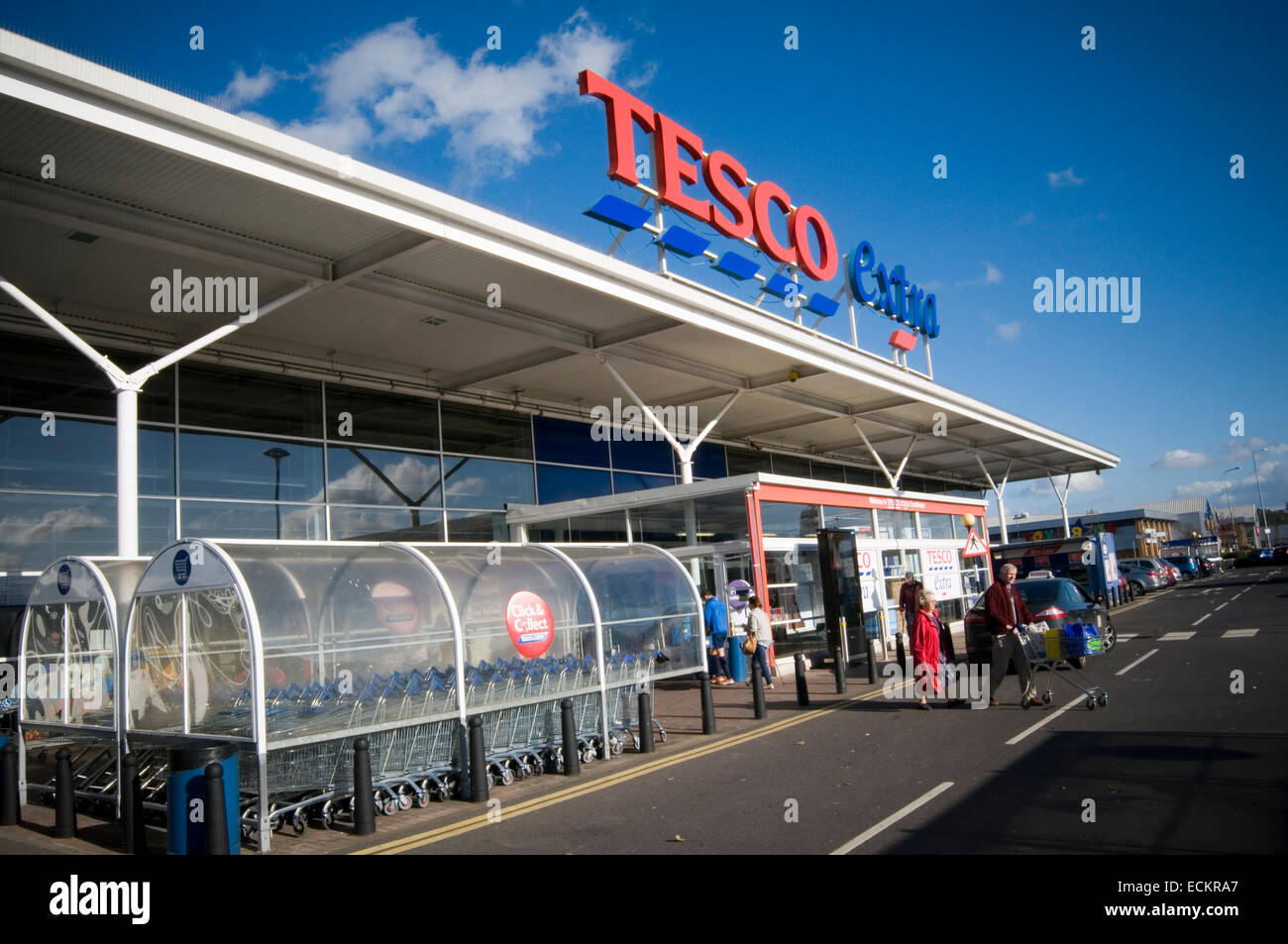 tesco extra superstore super store stores out of town shop shops shopping center centre  tescos  huge large big - Stock Image