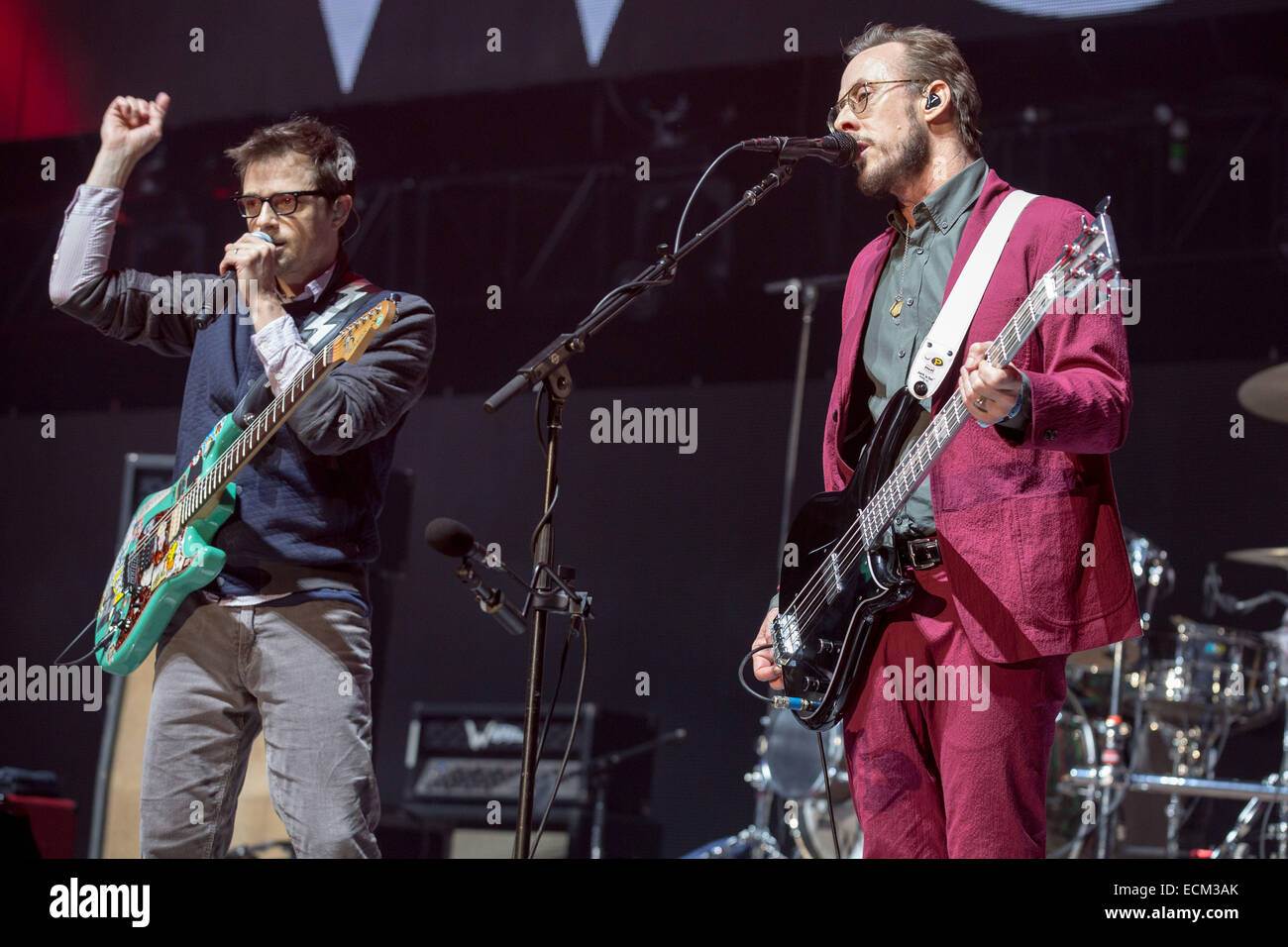 Weezer Christmas.Inglewood California Usa 13th Dec 2014 Rivers Cuomo L