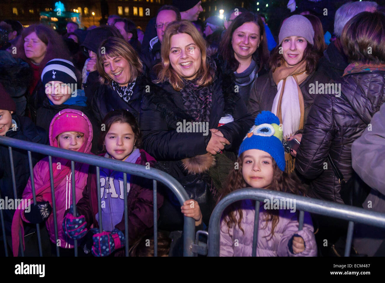 Trafalgar Square, London, December 16th 2014.  London's Jewish community celebrates Chanukah in the Square which - Stock Image