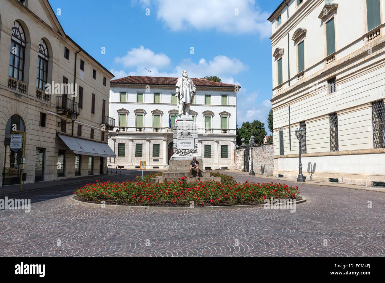 Giuseppe Garibaldi statue at Piazza Castello in Vicenza - Stock Image