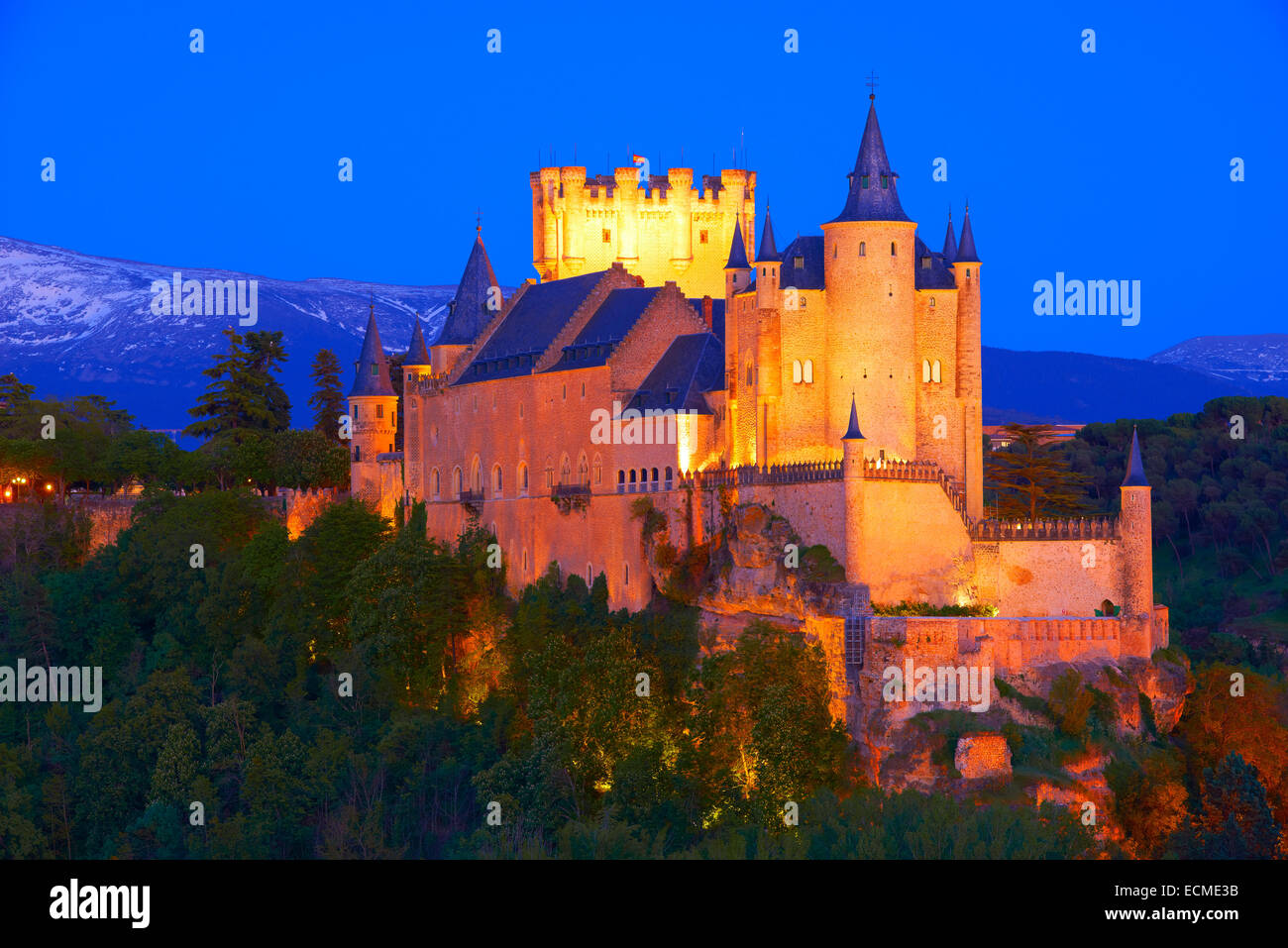 Alcazar at dusk, Segovia, Region of Castile and León, Spain - Stock Image