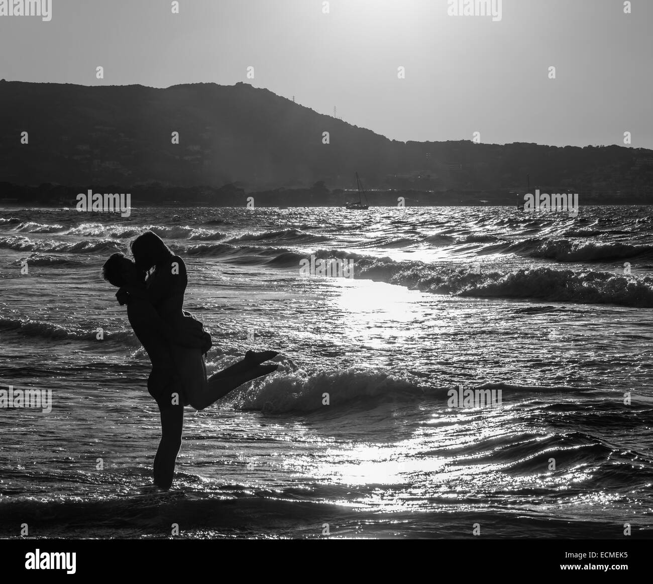 Couple At The Beach Stock Image Image Of Caucasian: Silhouette Couple Kissing Black And White Stock Photos