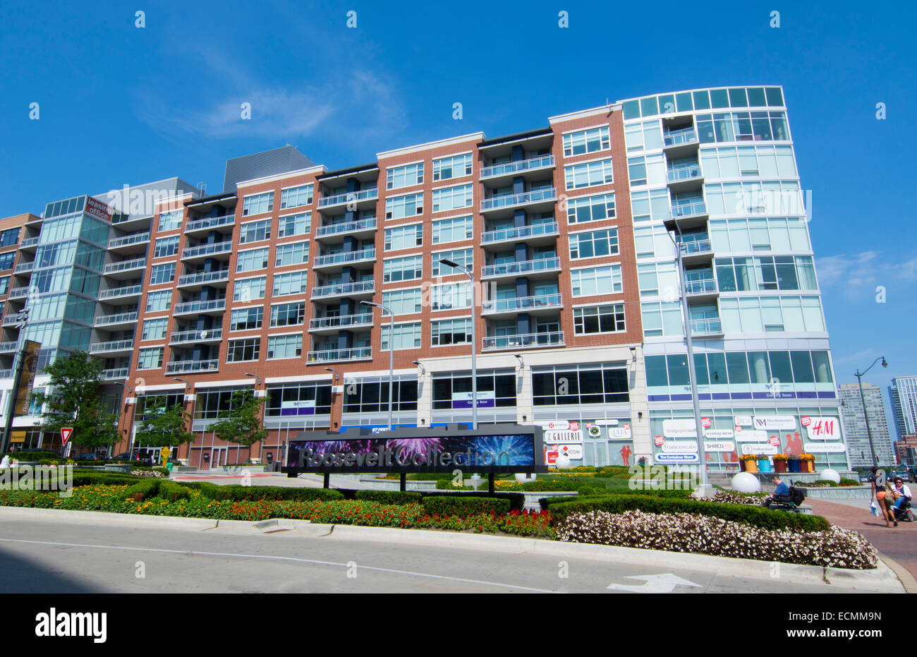 Chicago Illinois new shopping and living complex called Roosevelt Collection on Roosevelt Avenue - Stock Image