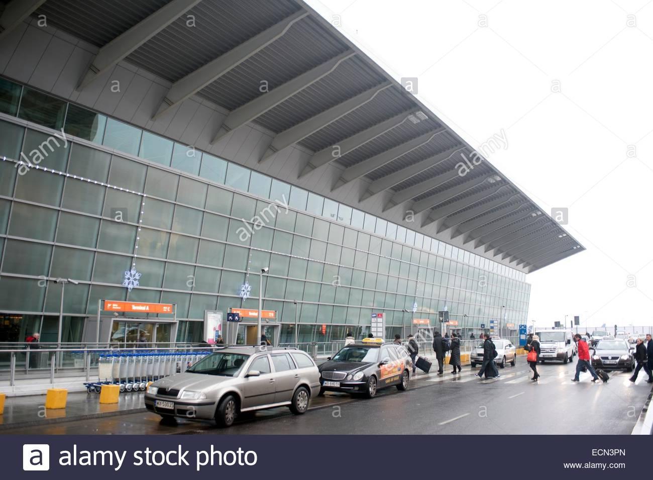 Aeroporto Waw : Warsaw poland warsaw chopin airport waw terminal exterior stock