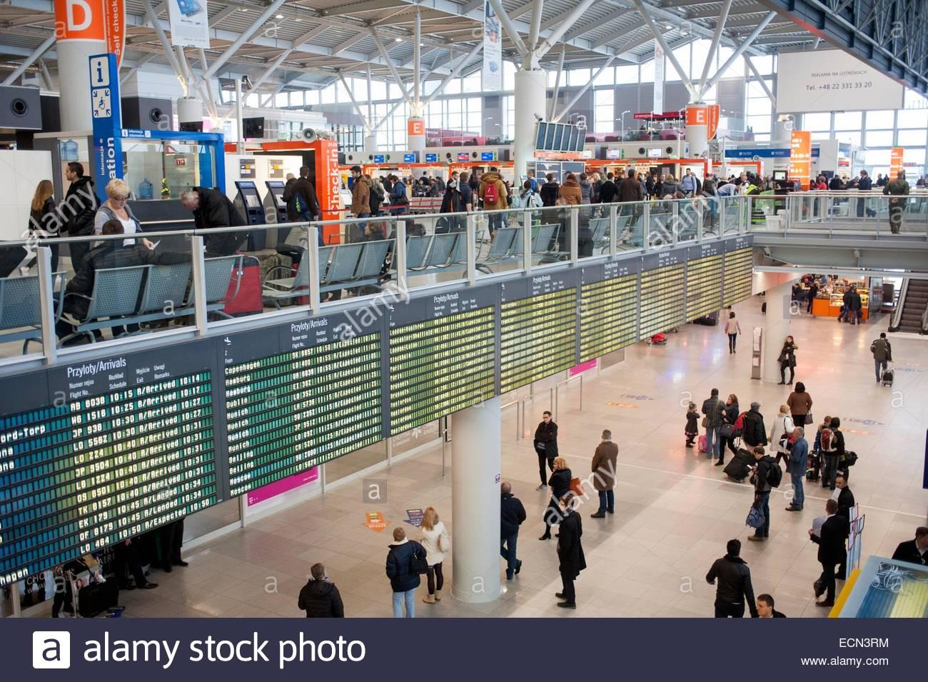 Aeroporto Waw : Warsaw poland warsaw chopin airport waw terminal interior stock
