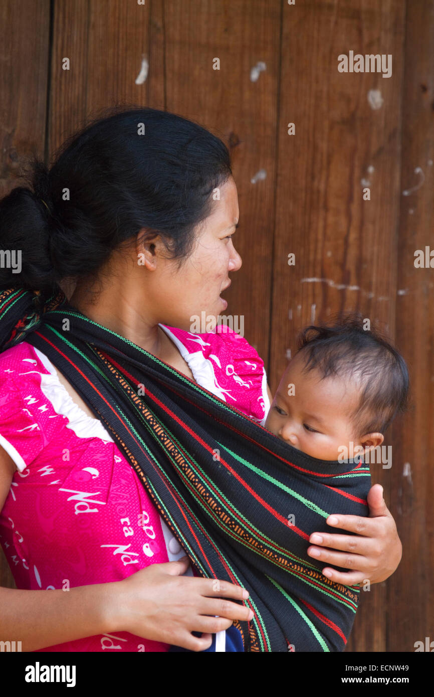 Co Ho minority hill people in Lam Dong Province near Da Lat, Vietnam. - Stock Image
