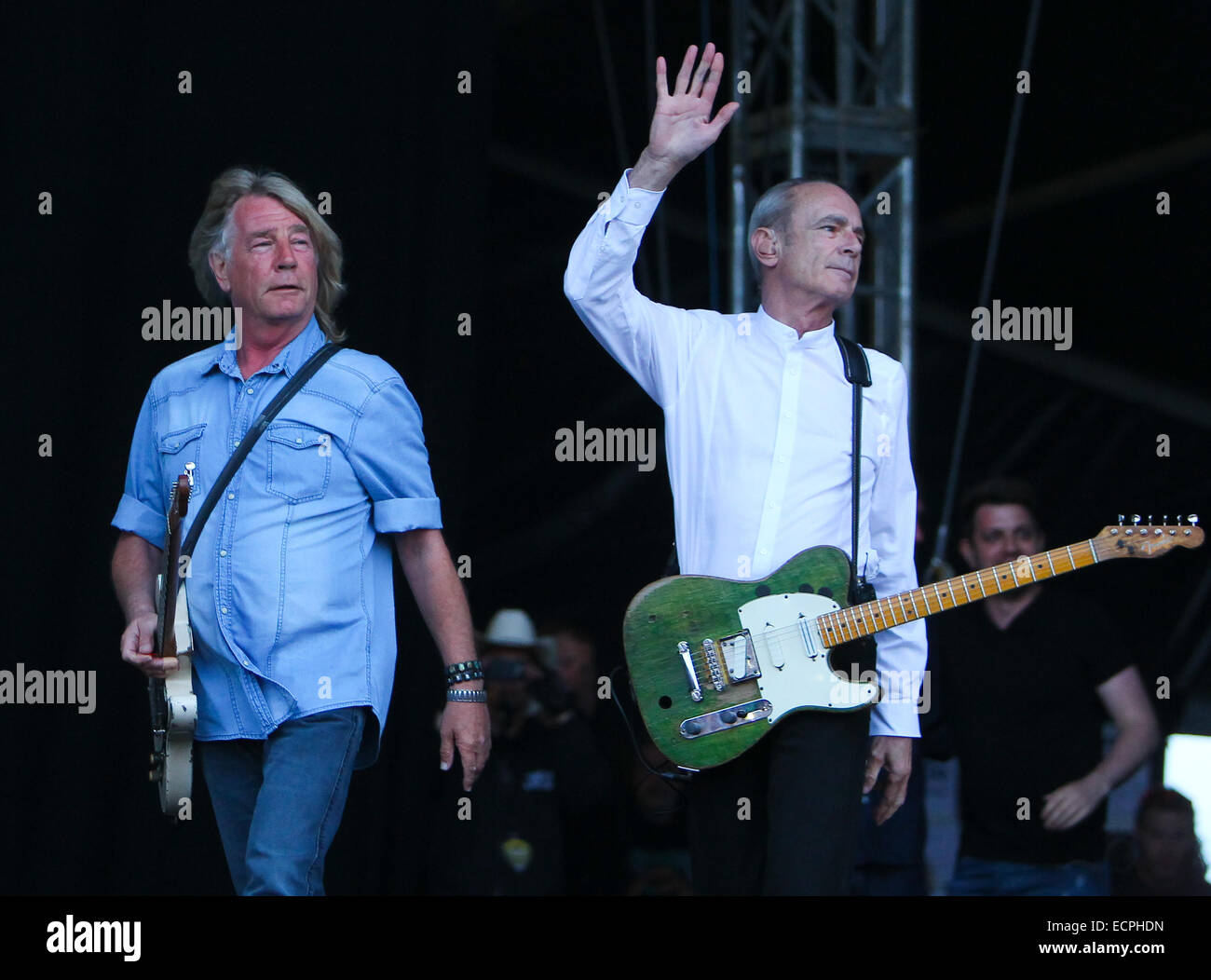 Status quo: whatever you want @ download festival 2014 youtube.