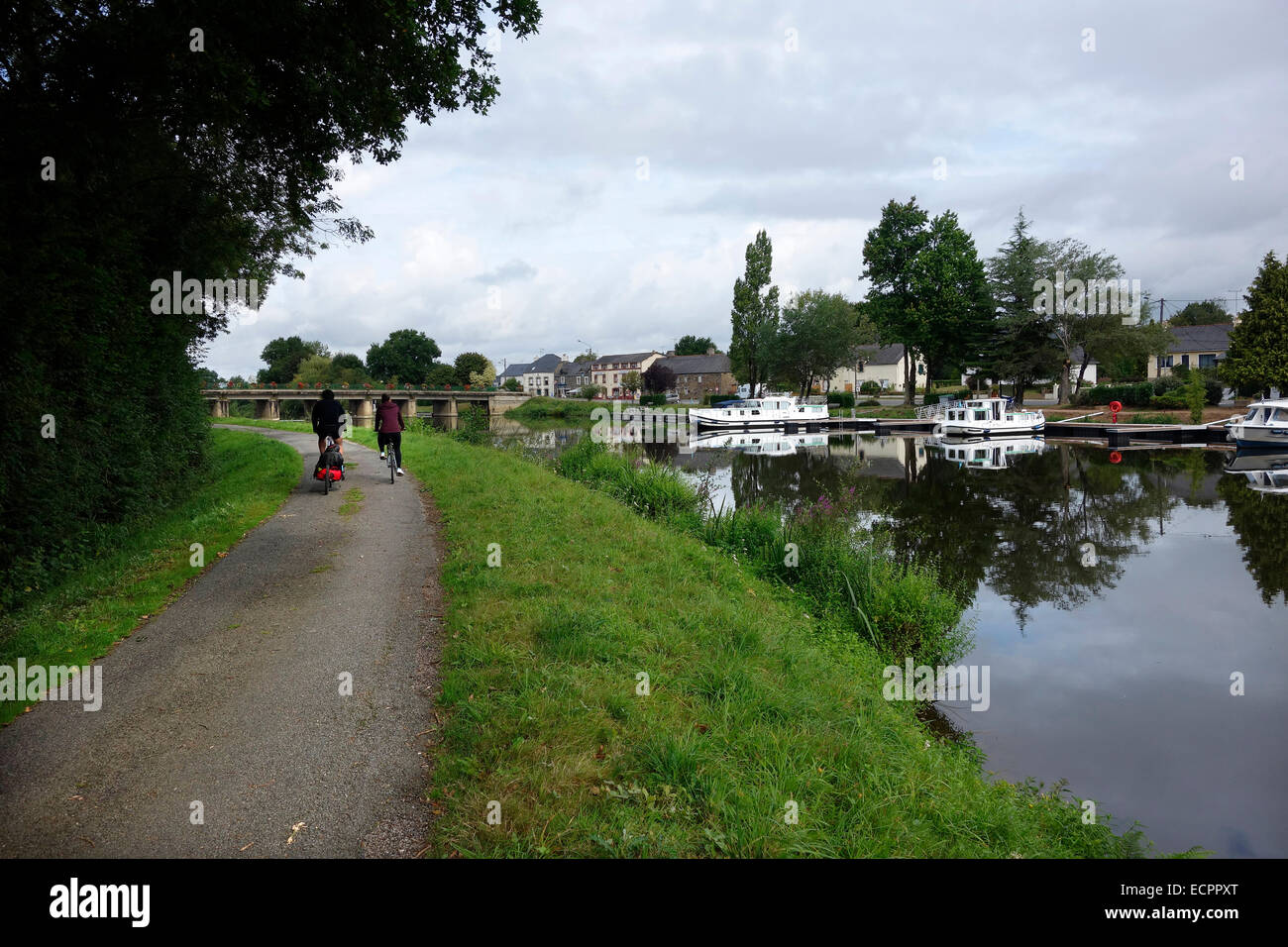 St Martin on the Nantes Brest Canal cycling - Stock Image