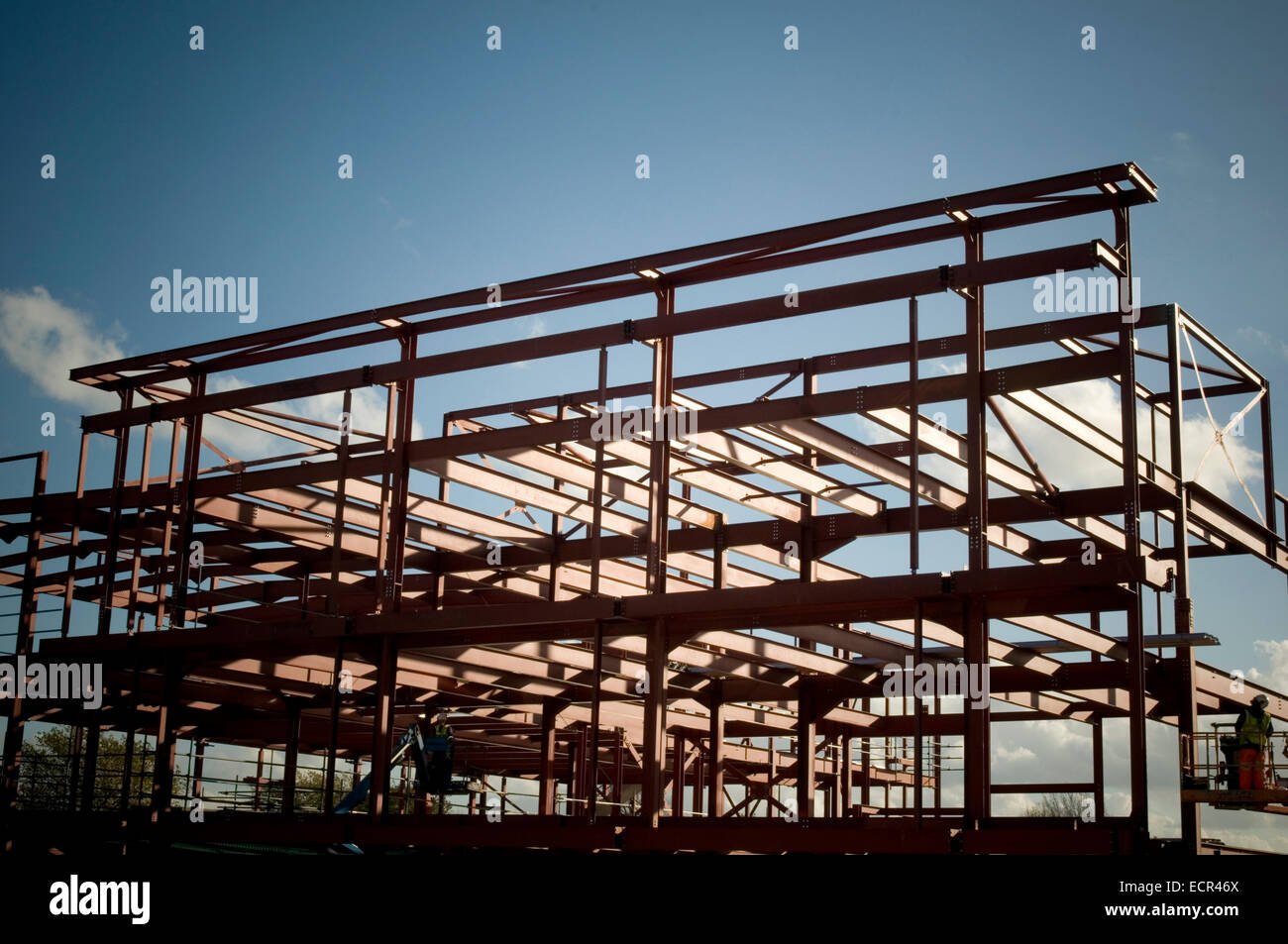 steel framed building buildings bolt bolts bolted together iron work ironworker site sites construction industry - Stock Image