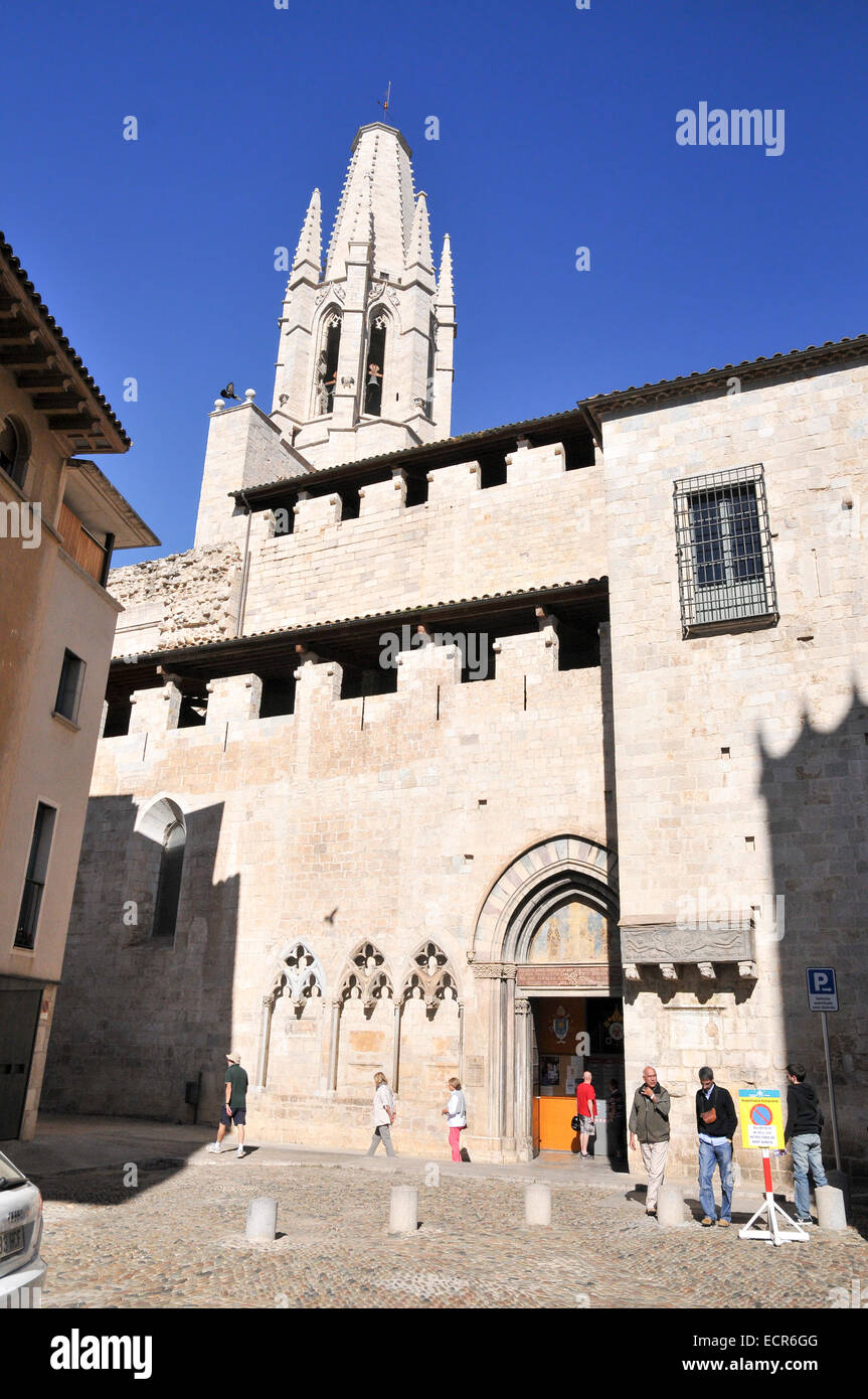 Girona, Historic centre,  Catalonia, Spain with the Church of Sant Feliu in the background Stock Photo