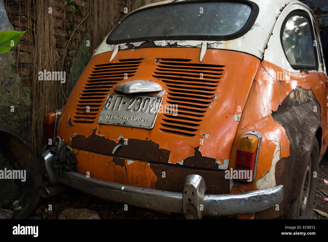 Wen2k Com Junk Yard Salvage Yard Auto Repair Garage: Junkyard Car Stock Photos & Junkyard Car Stock Images
