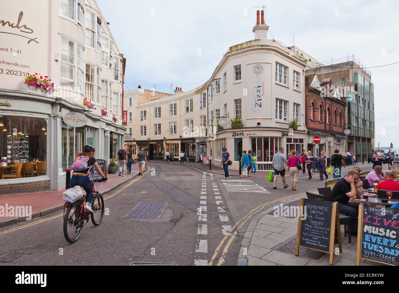 PUBS AND SHOPS AT THE LANES QUARTER, BRIGHTON, SEASIDE RESORT, SUSSEX, ENGLAND, GREAT BRITAIN - Stock Image
