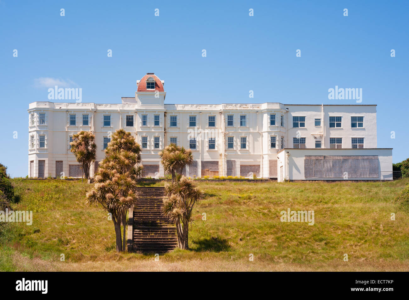 Isle of Man - The Grand Island Hotel, Ramsey - closed & abandoned before demolition. From the days of the mass - Stock Image