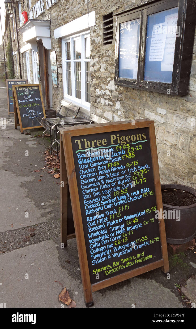 Three Pigeons Pub, Woodgreen, Witney, West Oxfordshire, England, UK - Stock Image