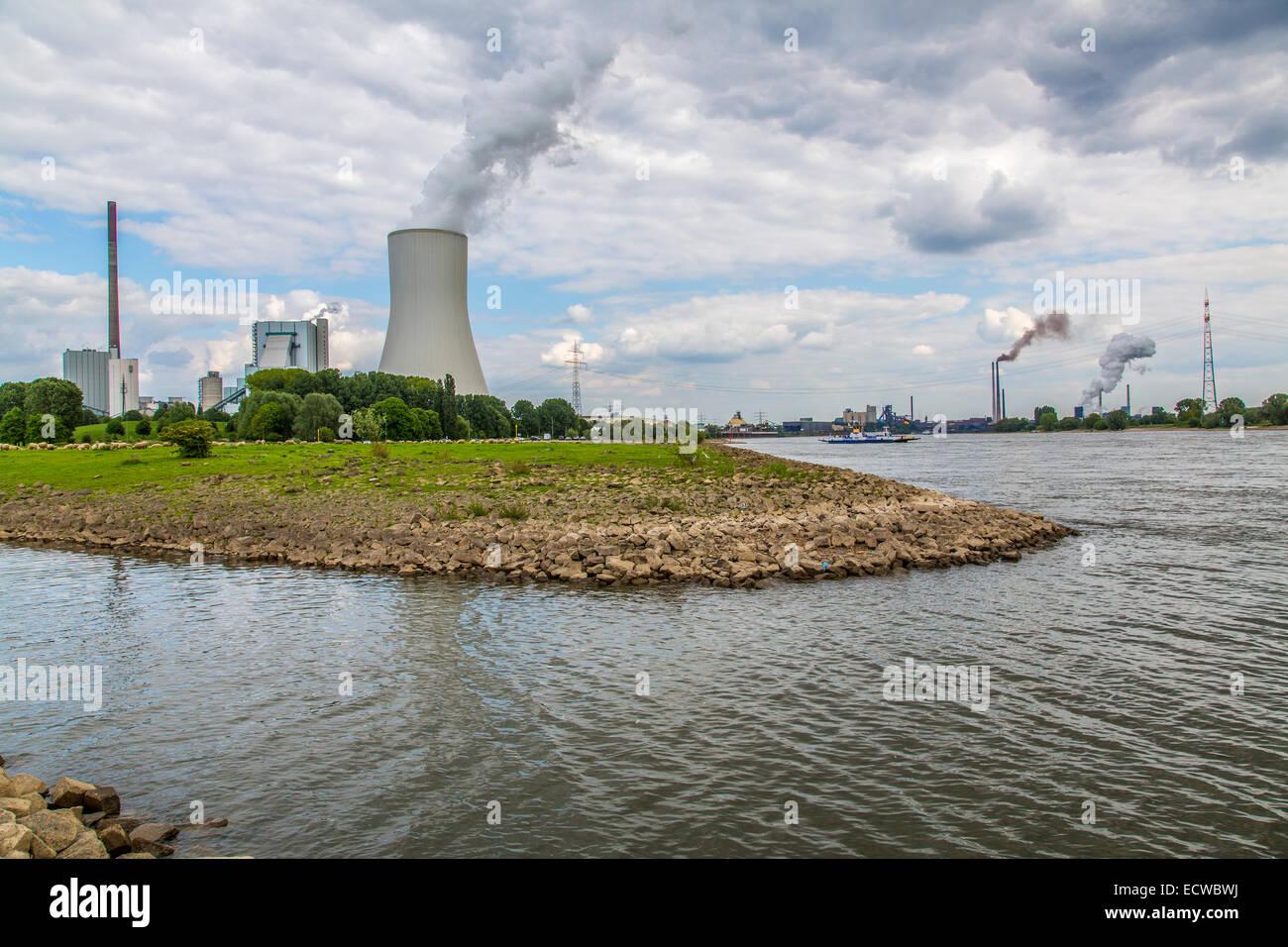 STEAG Steinkohlekraftwerk Walsum, am Rhein bei Duisburg, KŸhlturm von Block 10, alle 3 Kraftwerksblšcke zusammen, Stock Photo