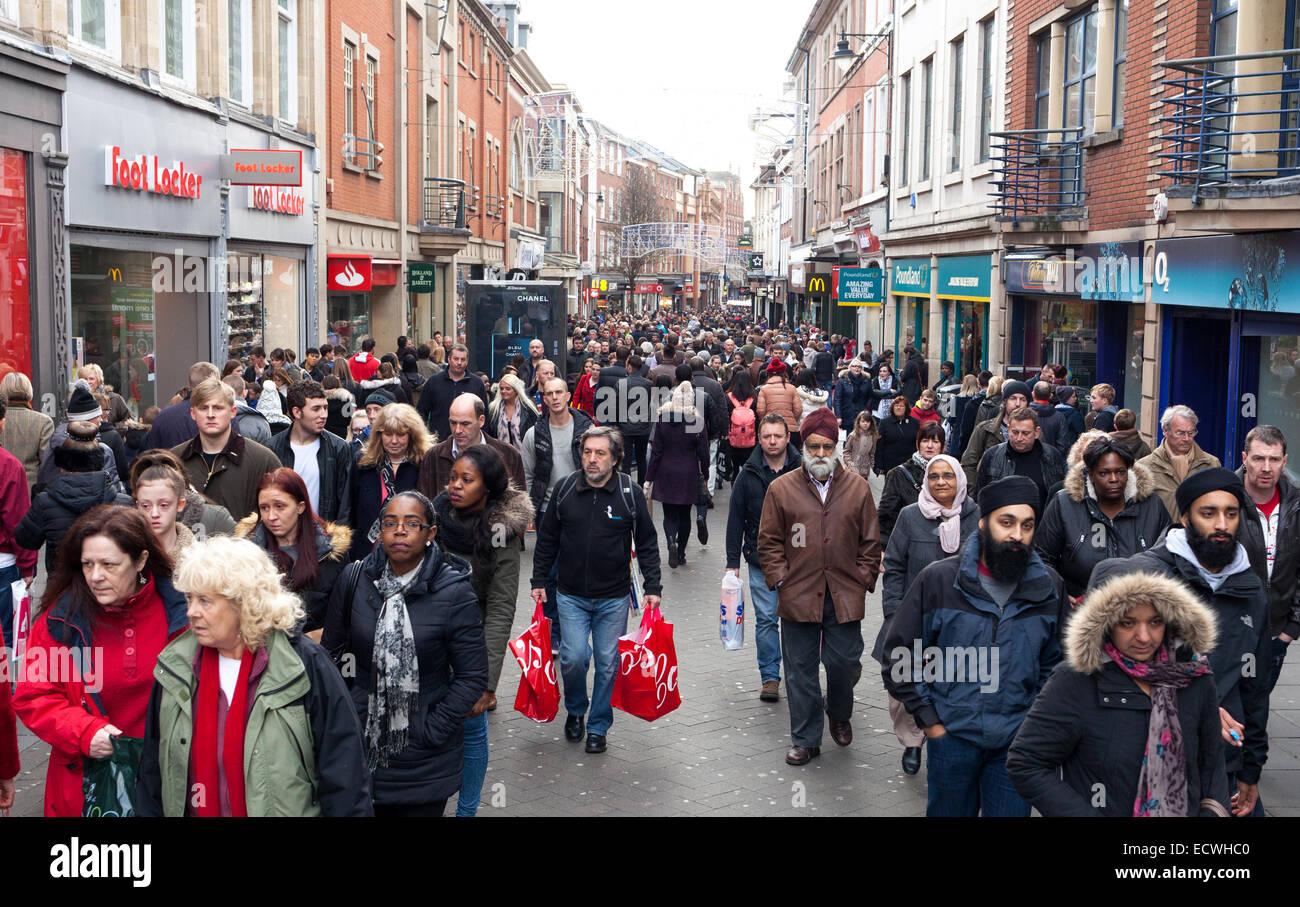 Clumber Street, Nottingham, UK. 20th December 2014. Christmas shoppers on Clumber Street in Nottingham city centre - Stock Image
