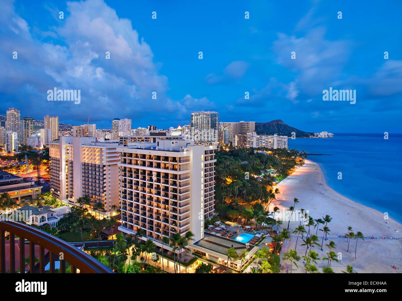 Honolulu, Hawaii skyline at dusk - Stock Image