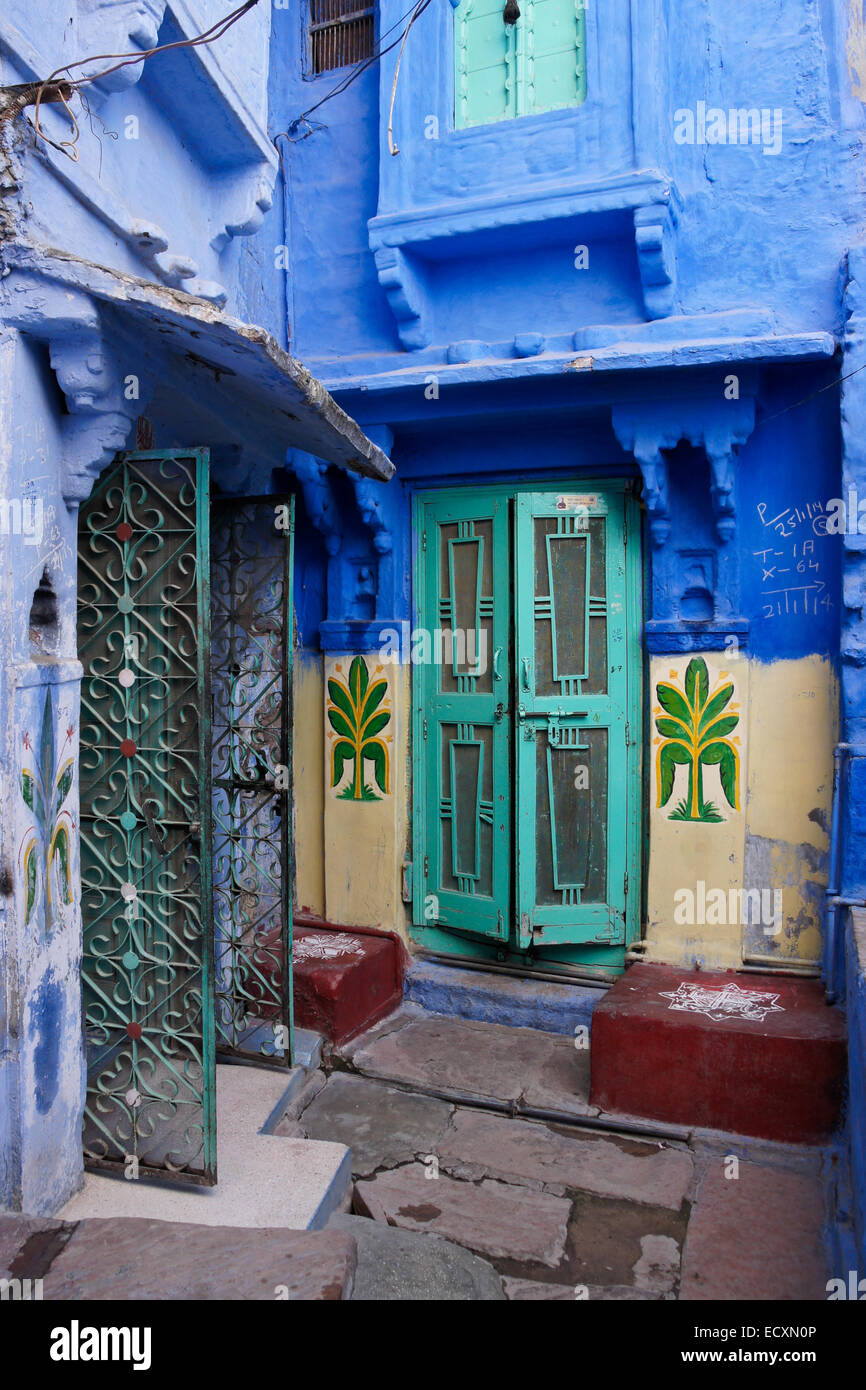 Colorful old home in the Blue City, Jodhpur, Rajasthan, India - Stock Image