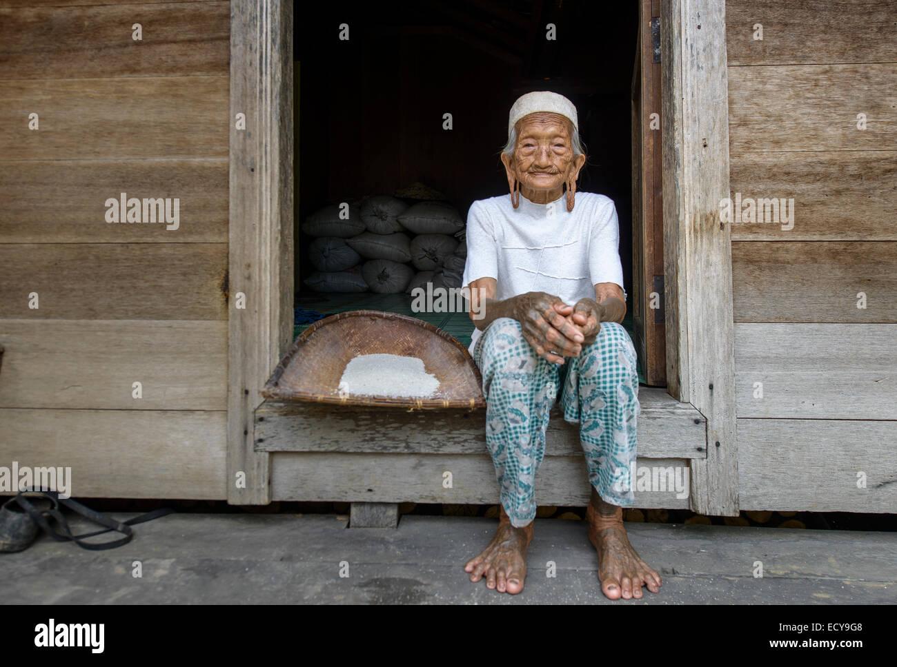 Dayak woman, Kalimantan, Borneo, Indonesia - Stock Image