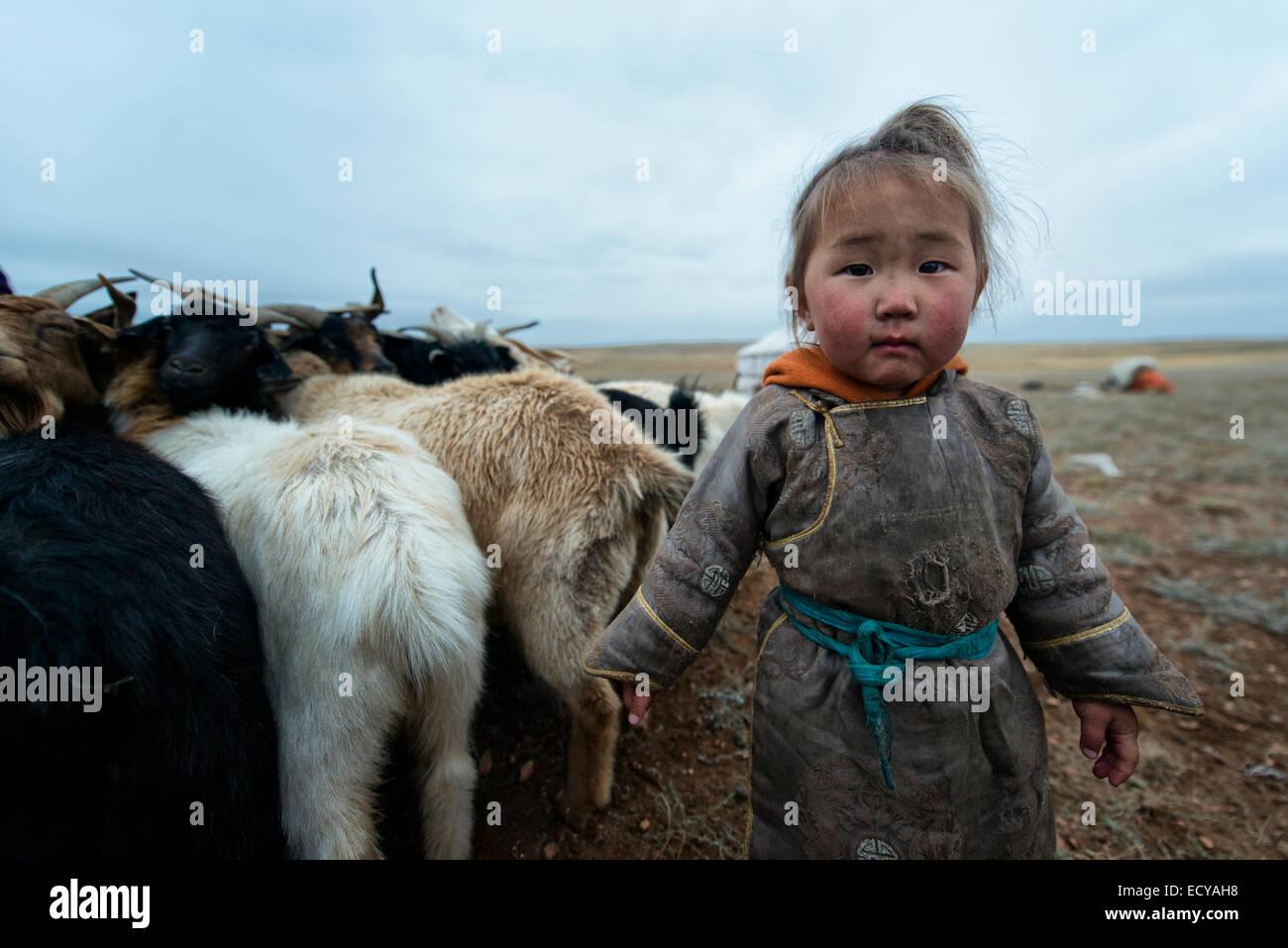 Nomad girl of the Gobi desert, Mongolia - Stock Image