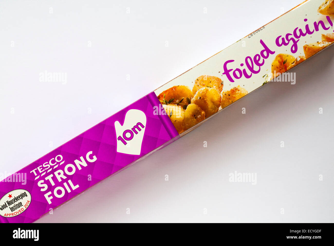 Box of Tesco 10m strong foil set on white background - Stock Image
