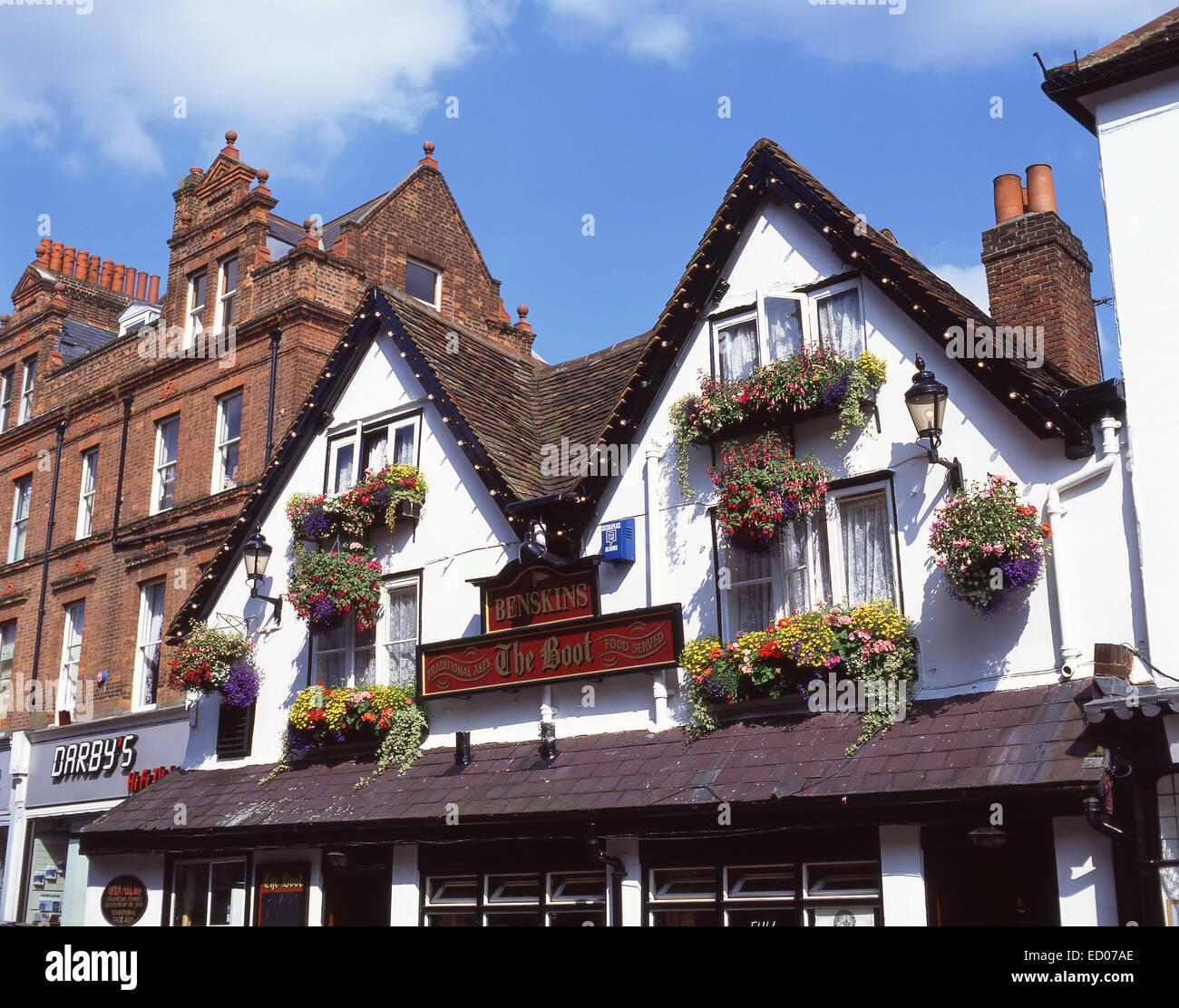 15th century The Boot Pub, Market Place, St.Albans, Hertfordshire, England, United Kingdom - Stock Image