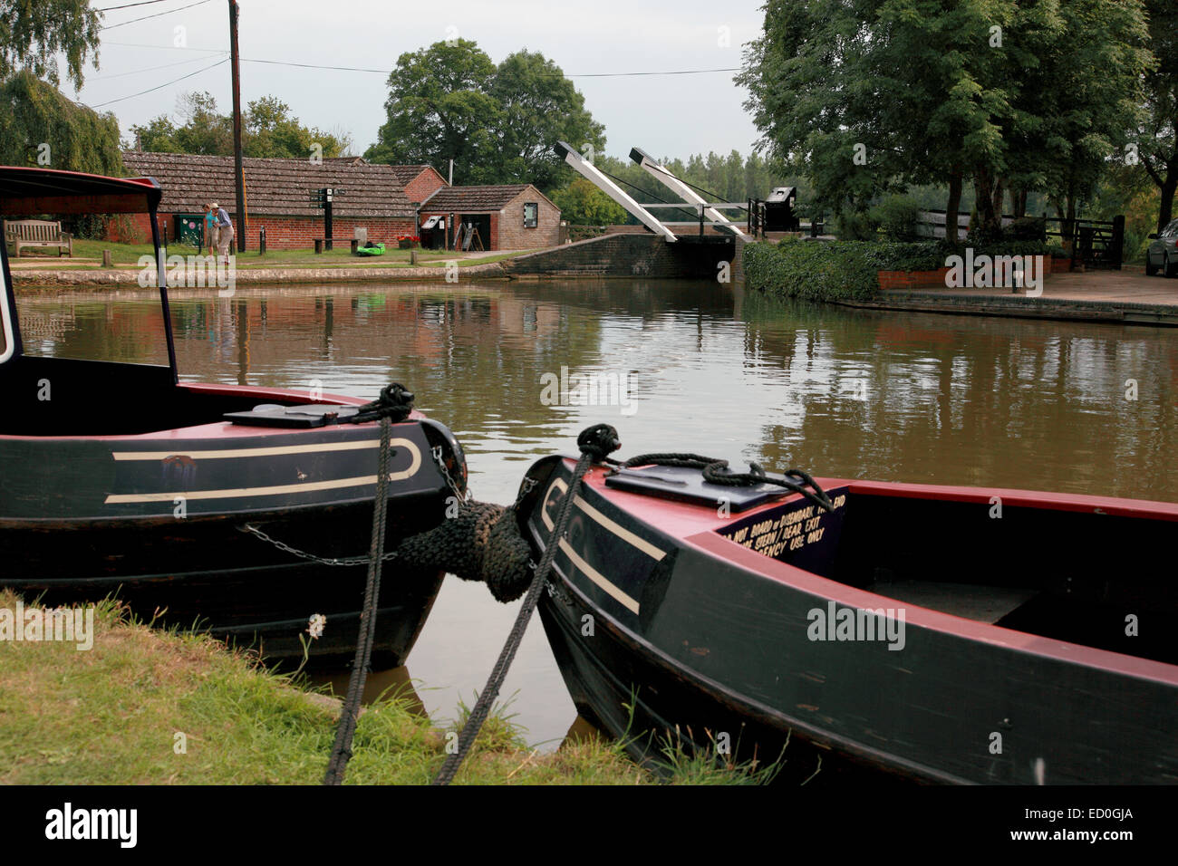 Electrically operated Aubreys Lift Bridge at Thrupp on the Oxford Canal - Stock Image