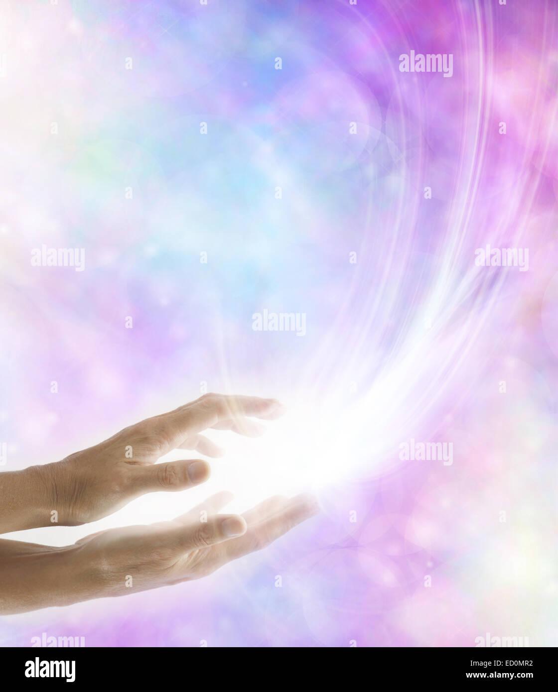 Healing hands healing light stock photos healing hands - 123rf image gratuite ...