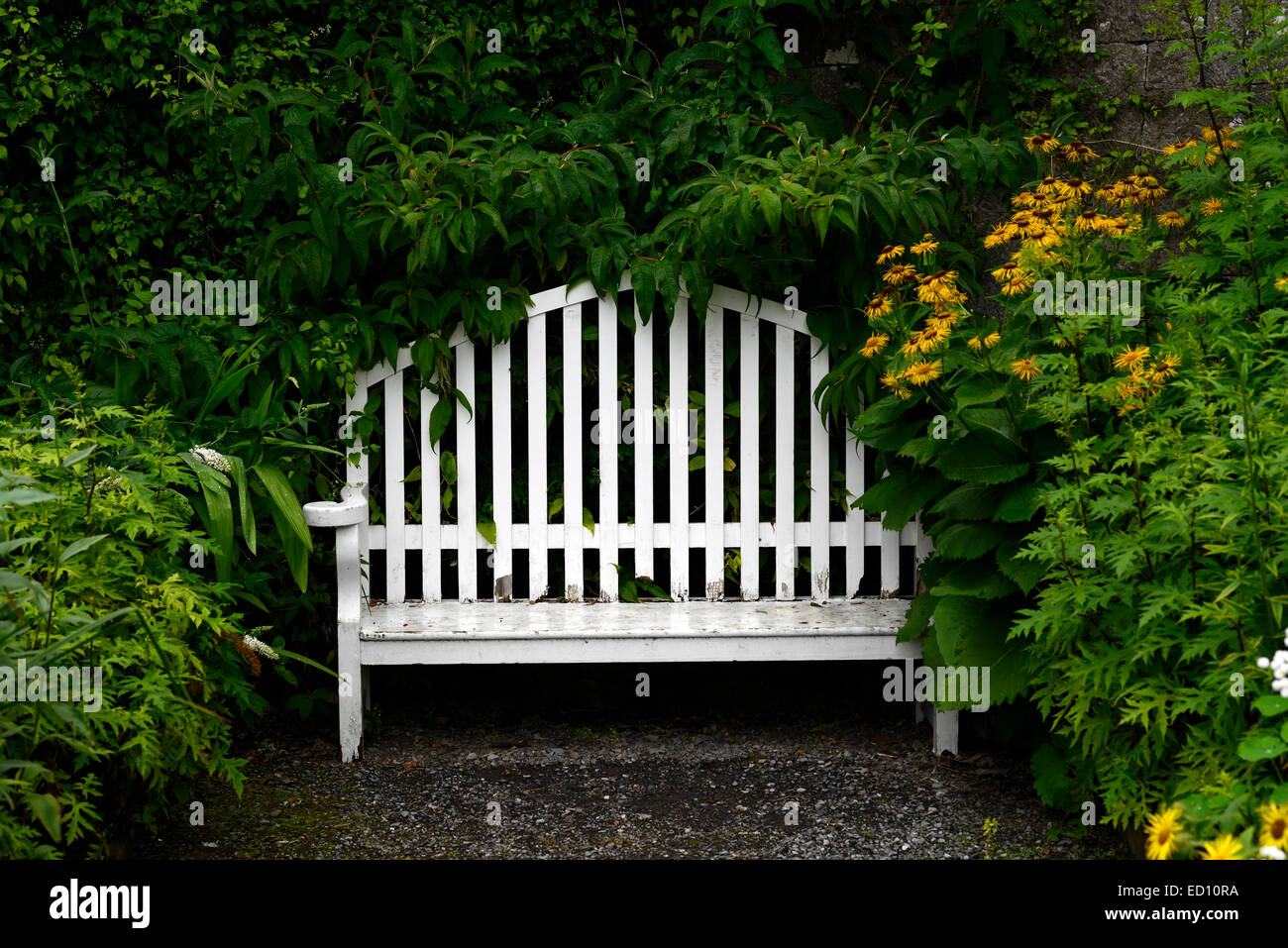 Magnificent White Garden Seat Seating Two Seater Wood Wooden Bench Gmtry Best Dining Table And Chair Ideas Images Gmtryco