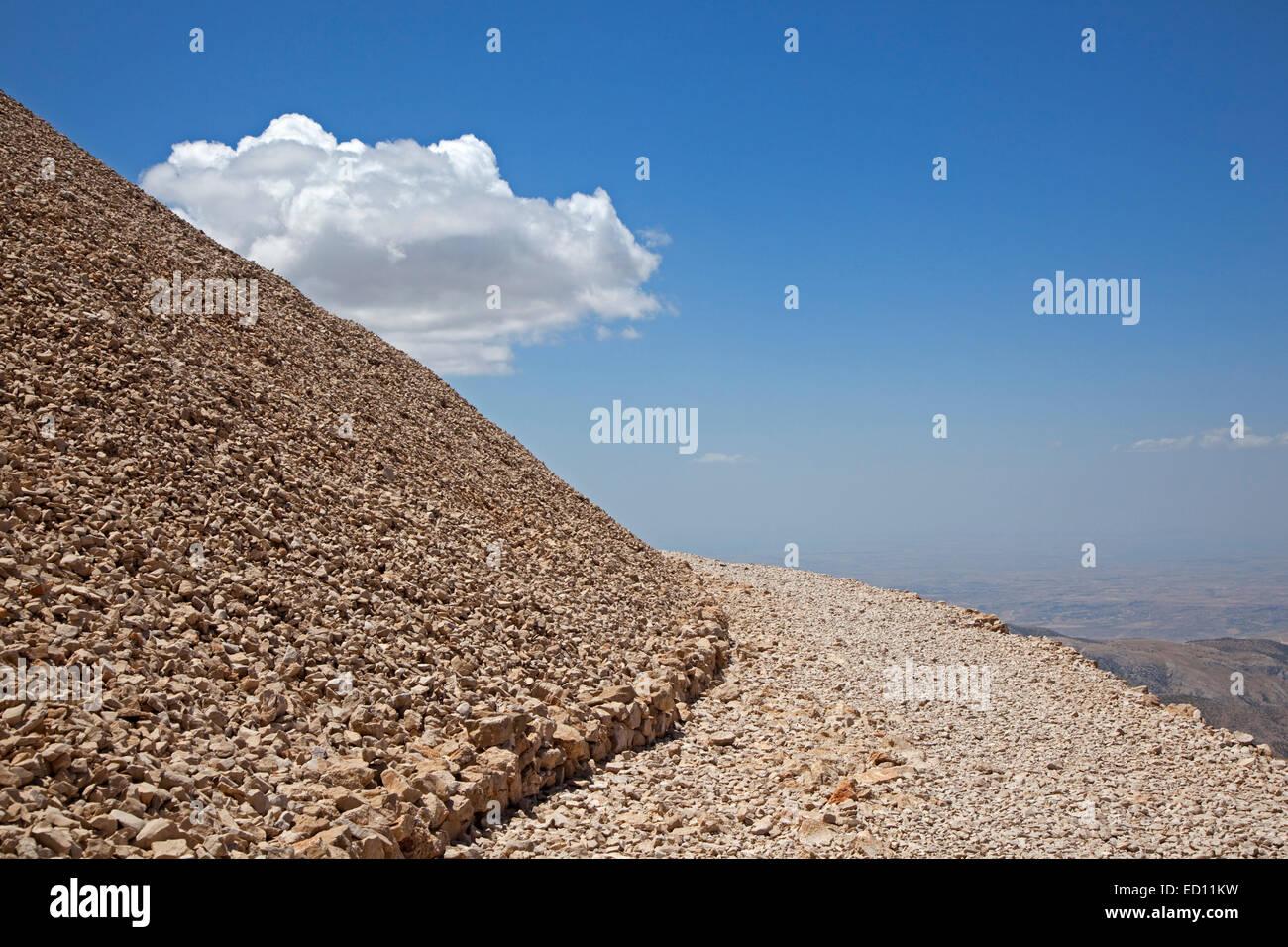 Mount Nemrut / Nemrud / Nemrut Dagi, royal tomb from the 1st century BC in Adıyaman, southeastern Turkey - Stock Image