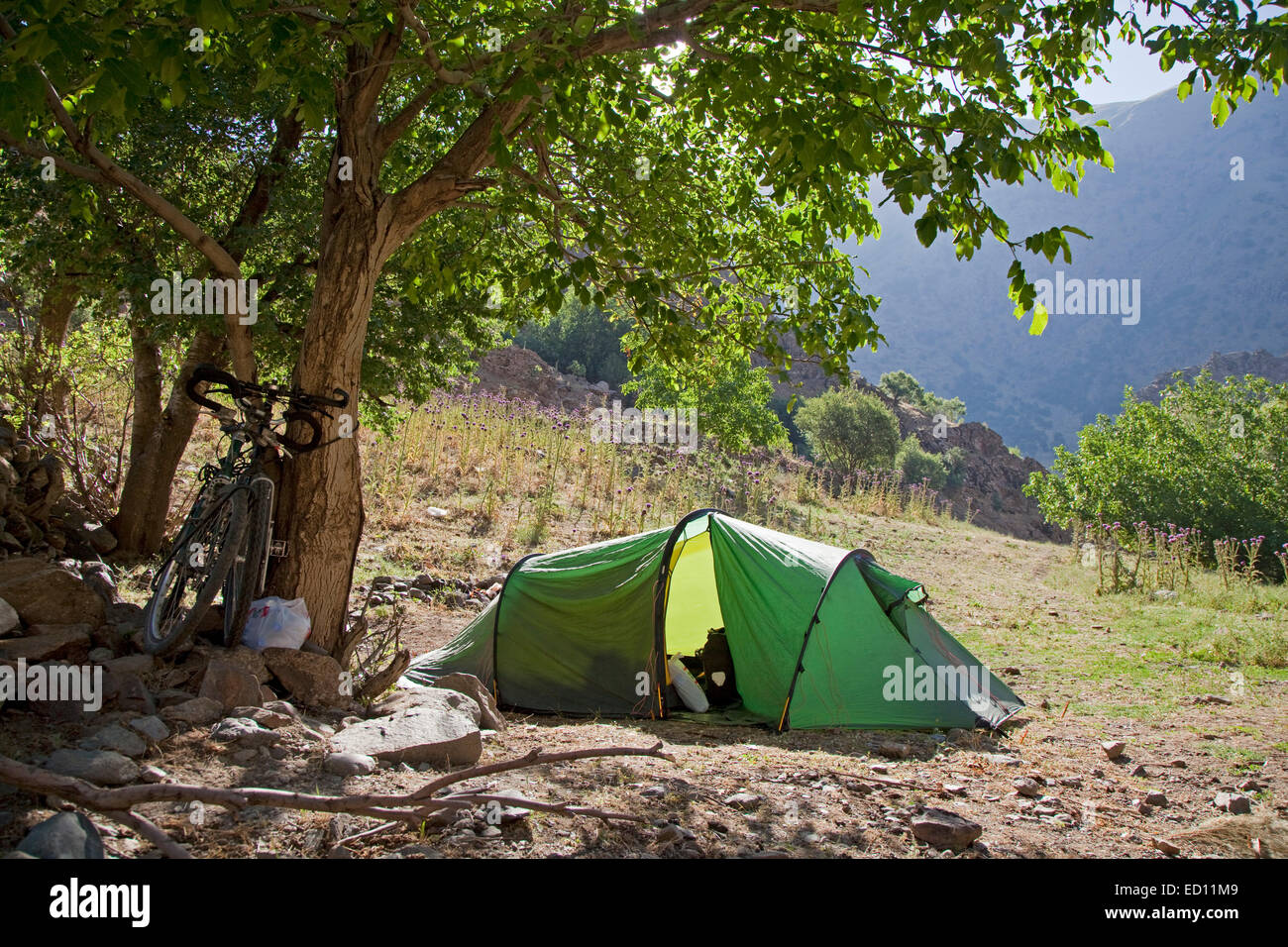Touring cyclists free camping in the mountains of Eastern Anatolia, Turkey - Stock Image