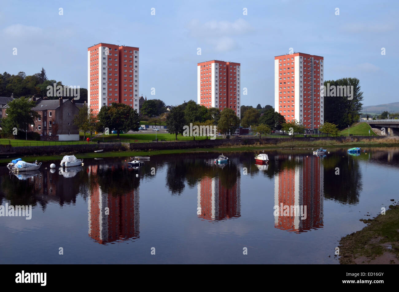 Flats in Dumbarton overlooking the River Leven - Stock Image