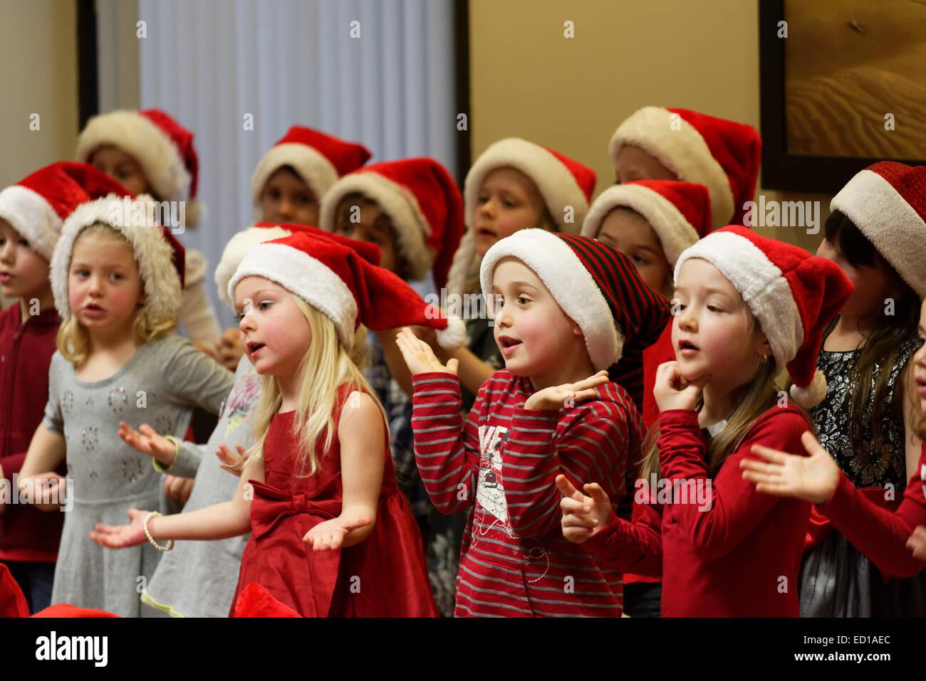 Children Singing Christmas Stock Photos & Children Singing Christmas ...