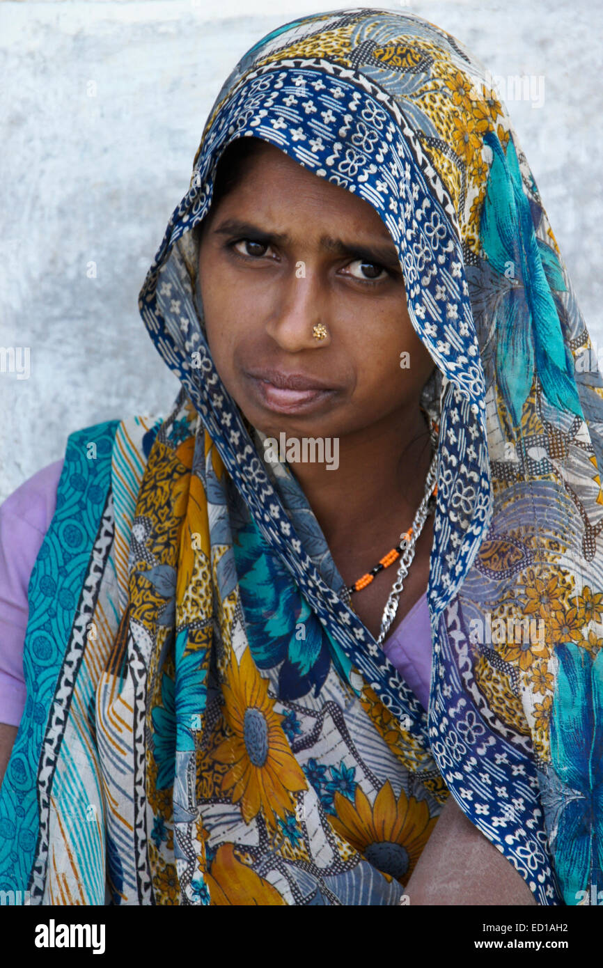 Woman of Rathwa tribe, Gujarat, India - Stock Image