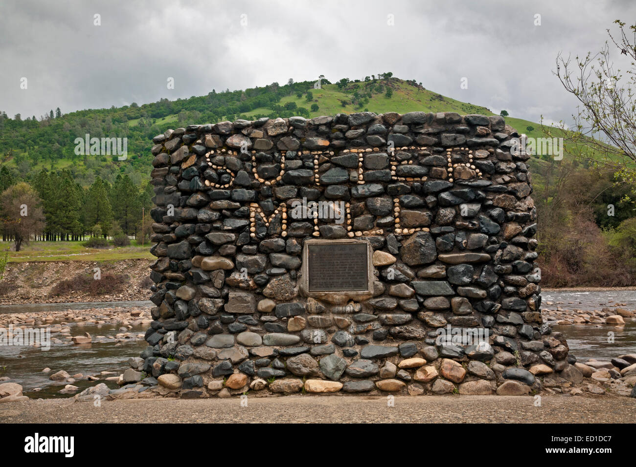 CALIFORNIA - Monument built out of rocks from South Fork American River at the site of Sutter's Mill where gold - Stock Image
