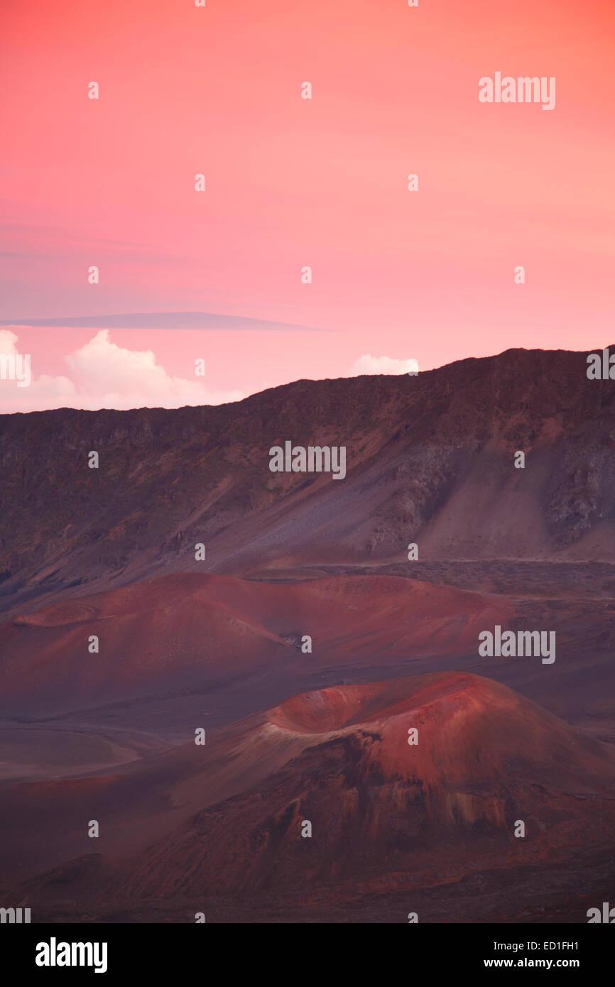 Sunset at the crater of Haleakala, Haleakala National Park, Maui, Hawaii. - Stock Image