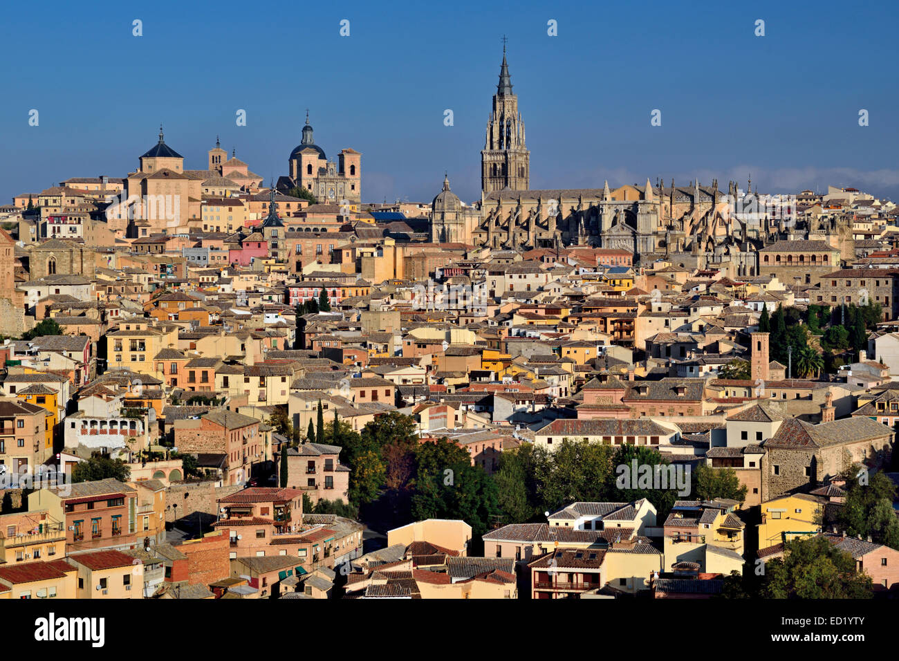Spain, Castilla-La Mancha: View to the medieval town of Toledo - Stock Image