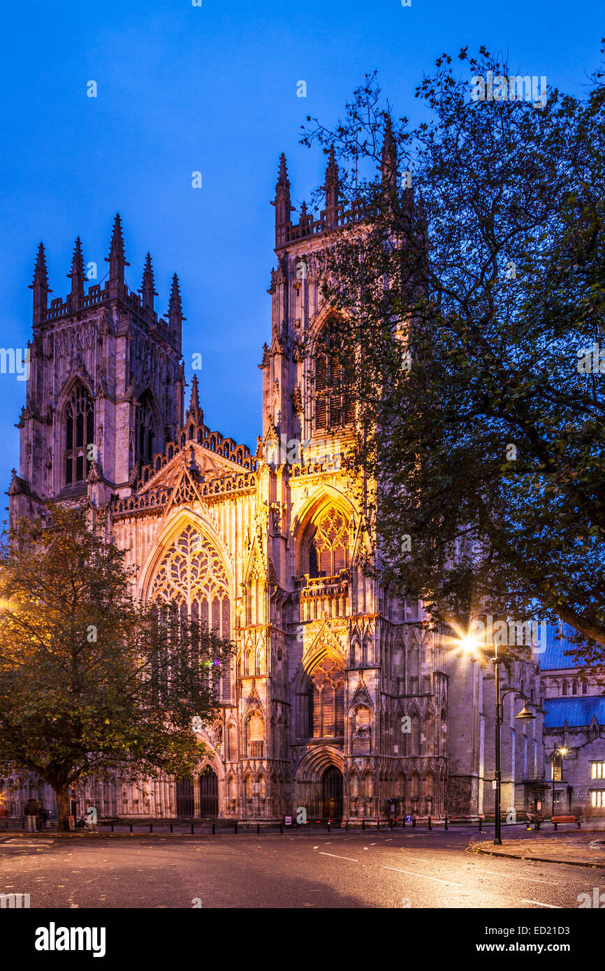 York Minster, the cathedral of the city of York, floodlit at twilight. - Stock Image