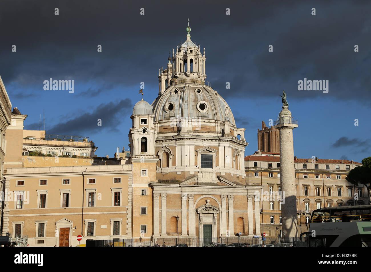 Italy. Rome. Trajan's Column and Church of Santa Maria di Loreto. 16th century. Designed by Antonio da Sangallo - Stock Image