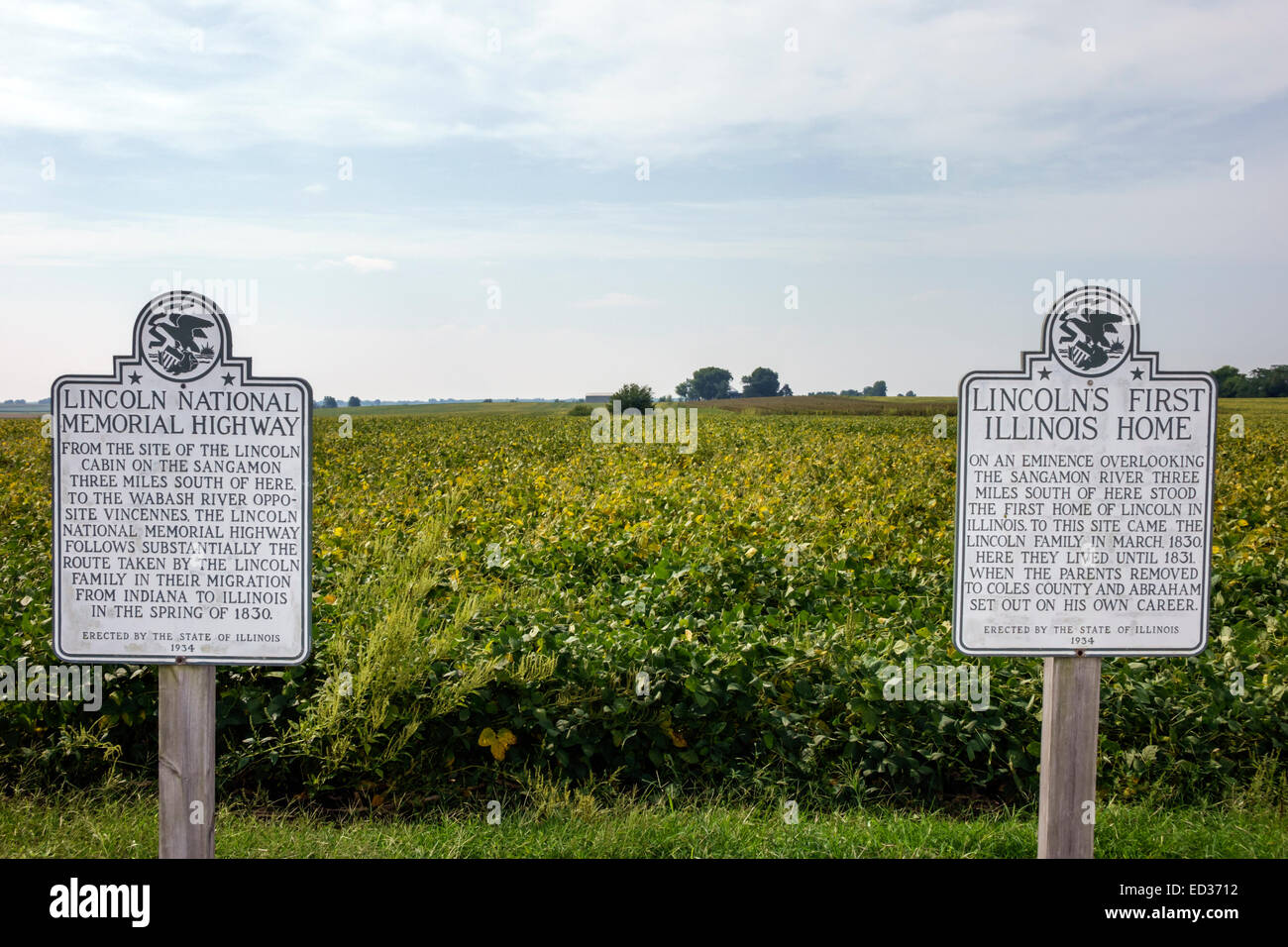 Illinois Decatur Abraham Lincoln National Memorial Highway roadside marker rural farmland soybean field Lincoln's - Stock Image