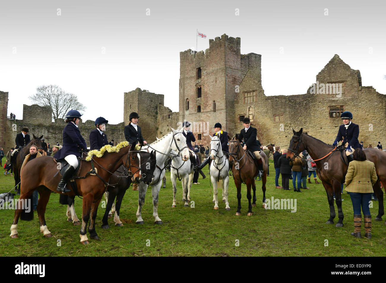 Ludlow Castle, Shropshire, UK. 26th December, 2014. The Ludlow Hunt Boxing Day meet at Ludlow Castle Credit:  David - Stock Image