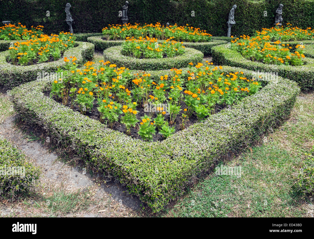 Landscaping And Hedges Stock Photos & Landscaping And Hedges Stock on