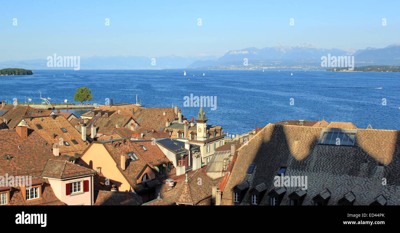 View on lake of Geneva from old townscape of Nyon, Switzerland - Stock Image