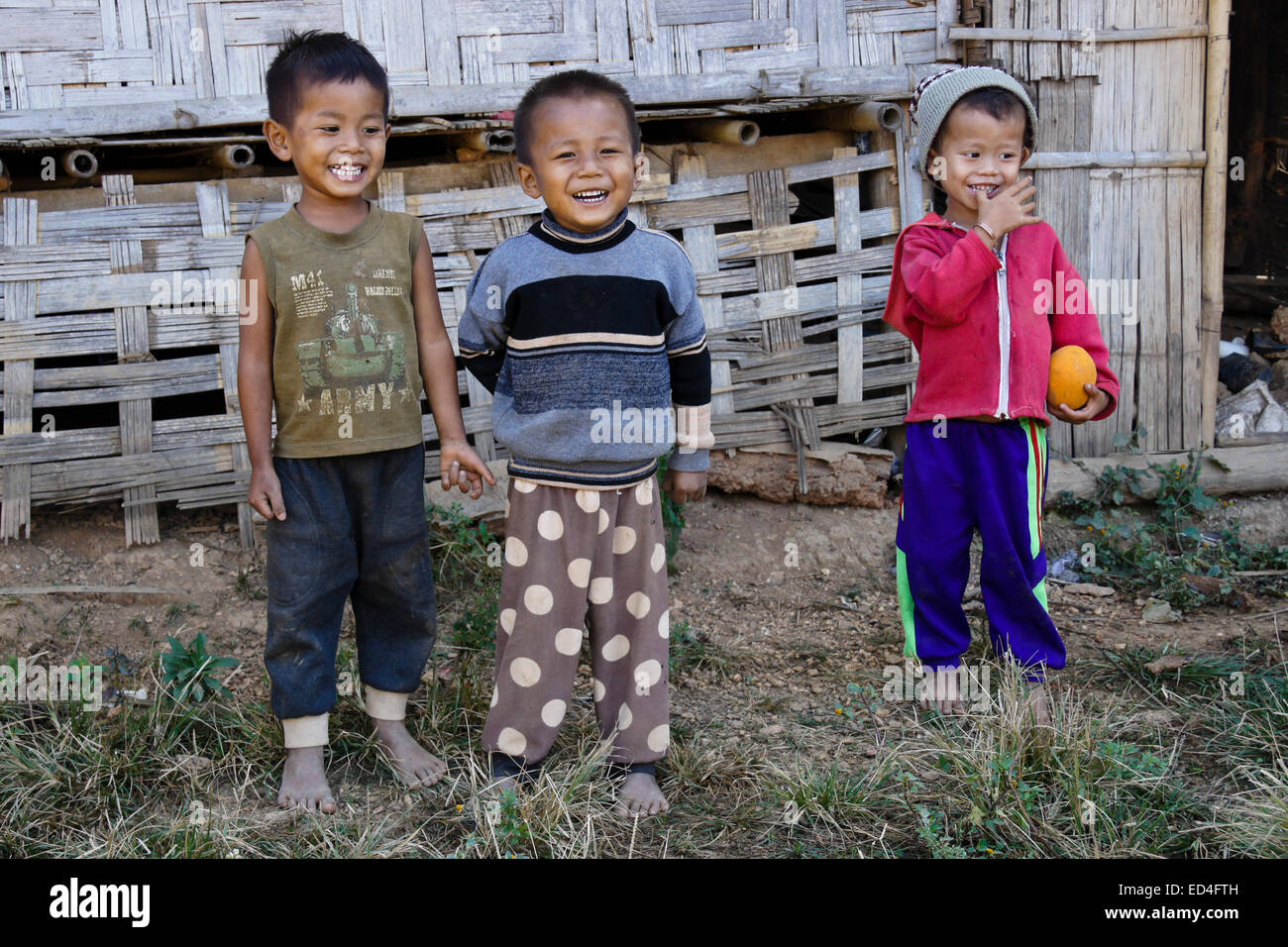 Children of Kmou ethnic group, Kiew Mak Nao village, Laos - Stock Image