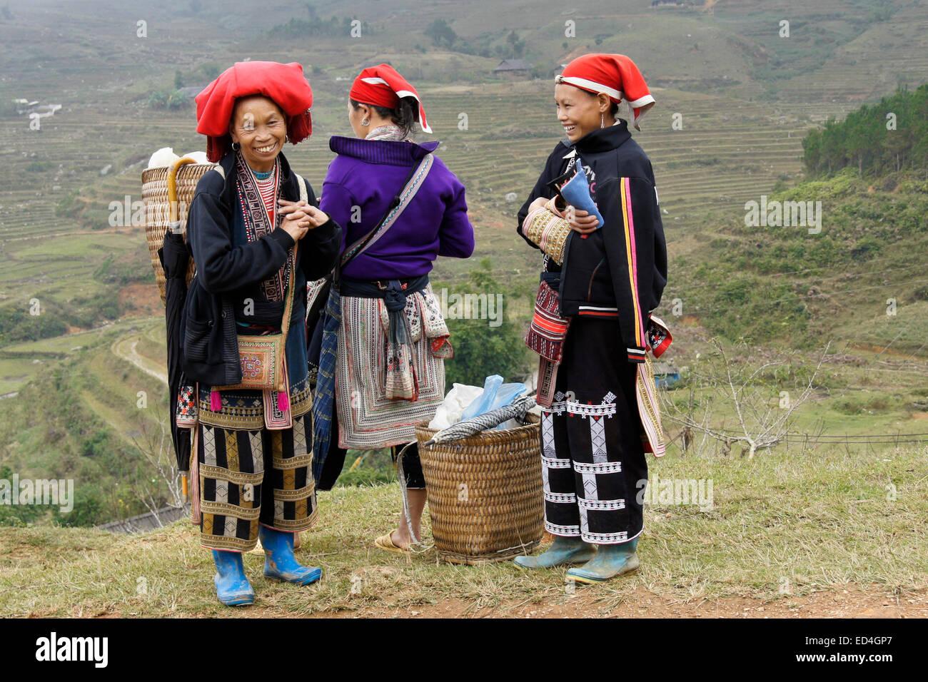 Red Dao women, Ta Phin, Sapa (Sa Pa), Vietnam - Stock Image