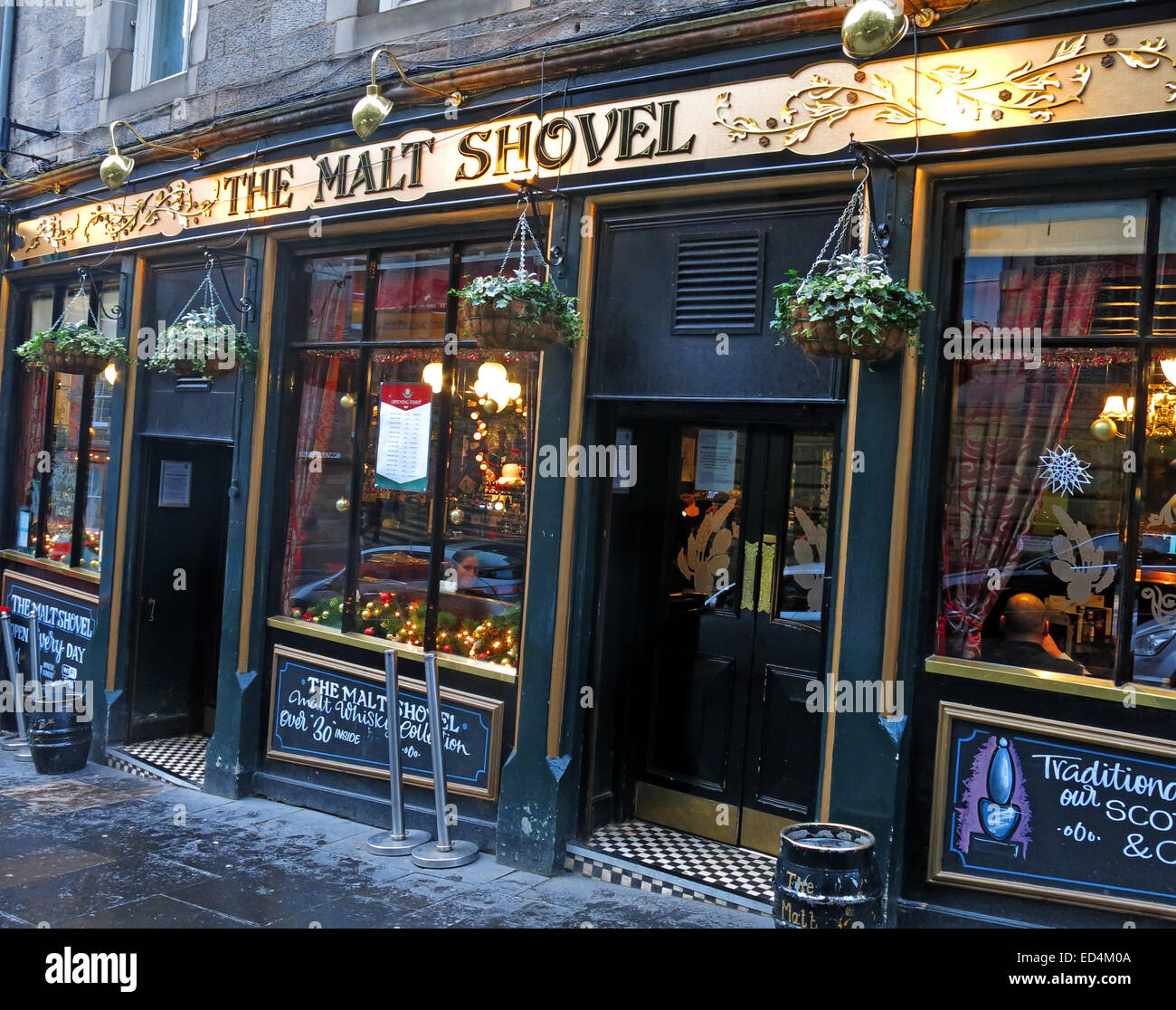 The Malt Shovel, Taylor Walker pub Edinburgh old Town, Scotland, UK in the evening - Stock Image