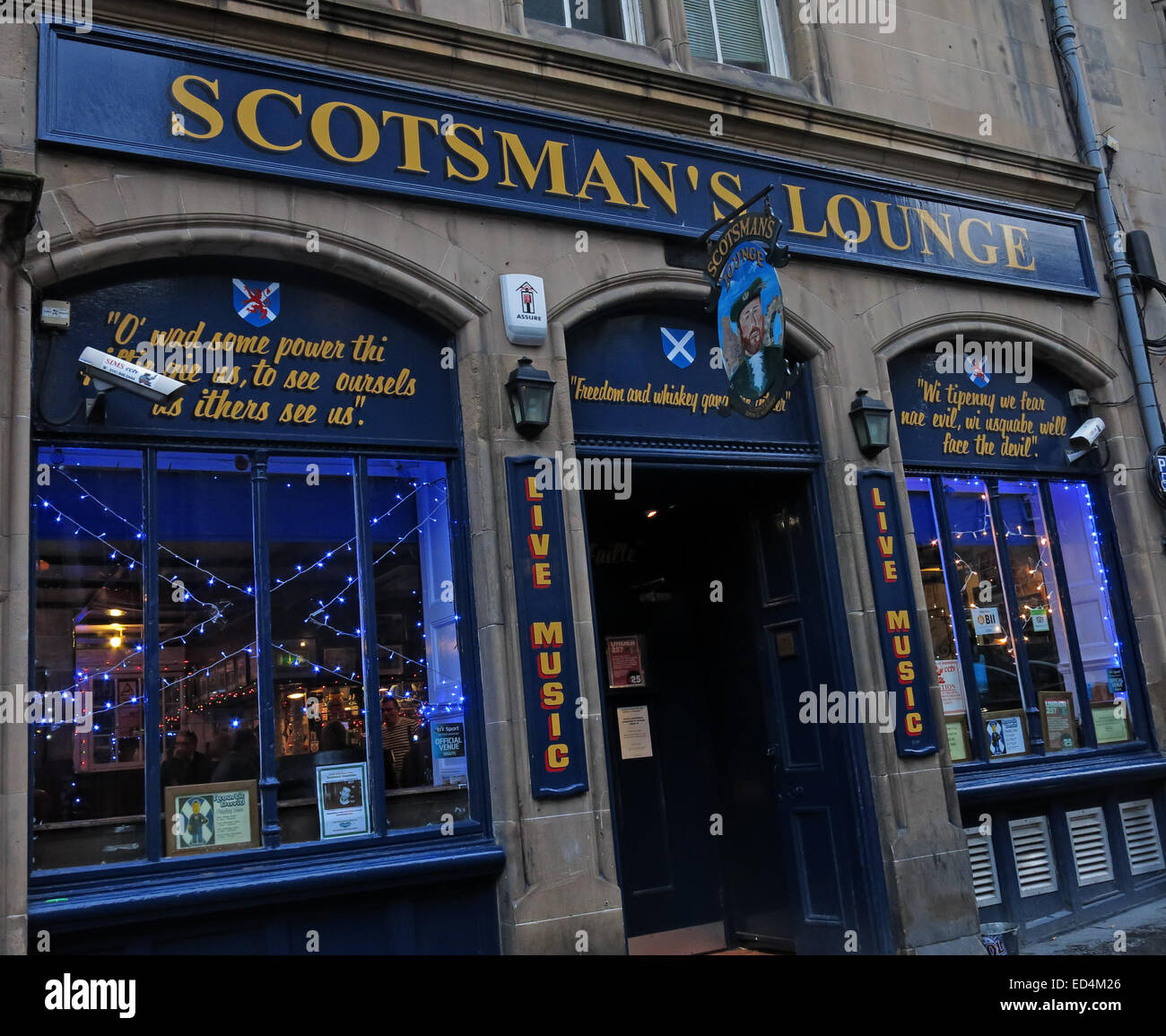 A view from outside the Scotsmans lounge traditional pub, Cockburn St, Edinburgh,  Scotland, UK Stock Photo