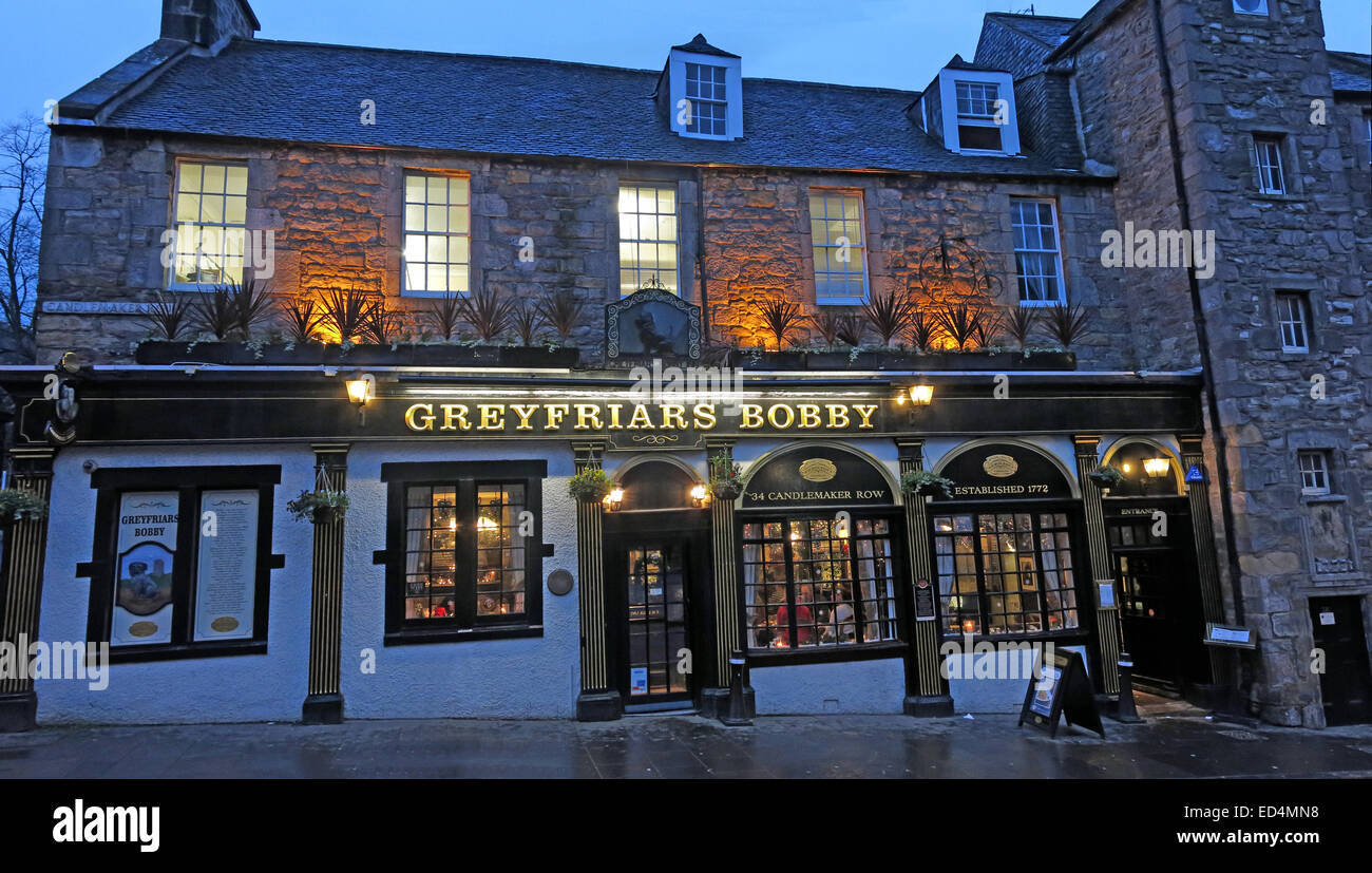 Panorama of Greyfriars Bobby historic pub at dusk, Edinburgh Old Town, Dog outside, Lothians, Scotland, UK - Stock Image