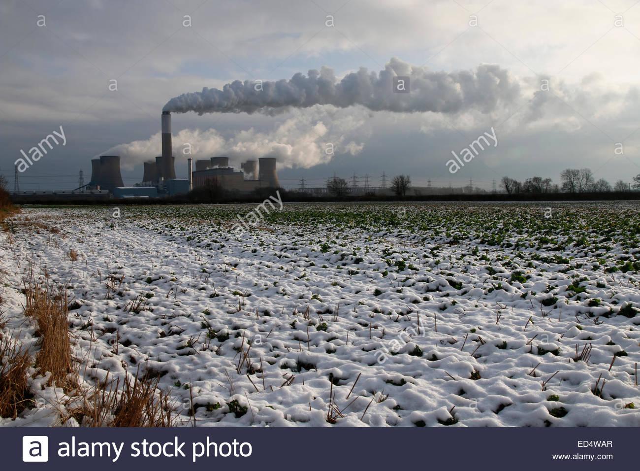 Cottam Power Station, Retford, Nottinghamshire UK 27th December 2014 During the Christmas holiday period Cottam - Stock Image